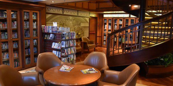 Bibliothek an Bord