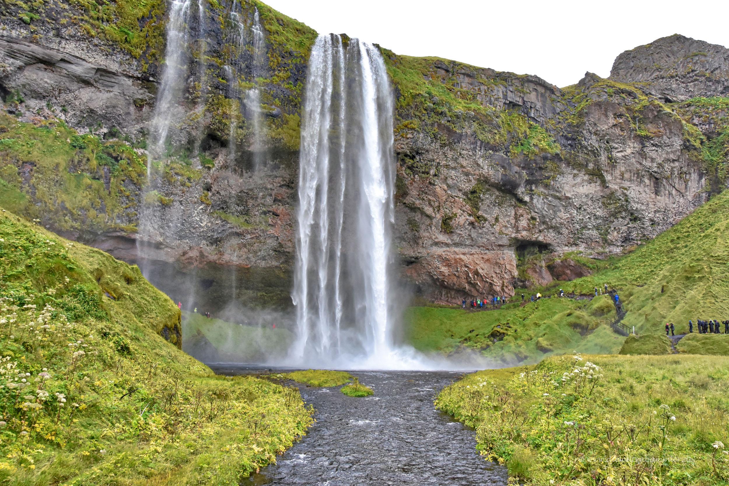 Der Wasserfall befindet sich im Süden von Island