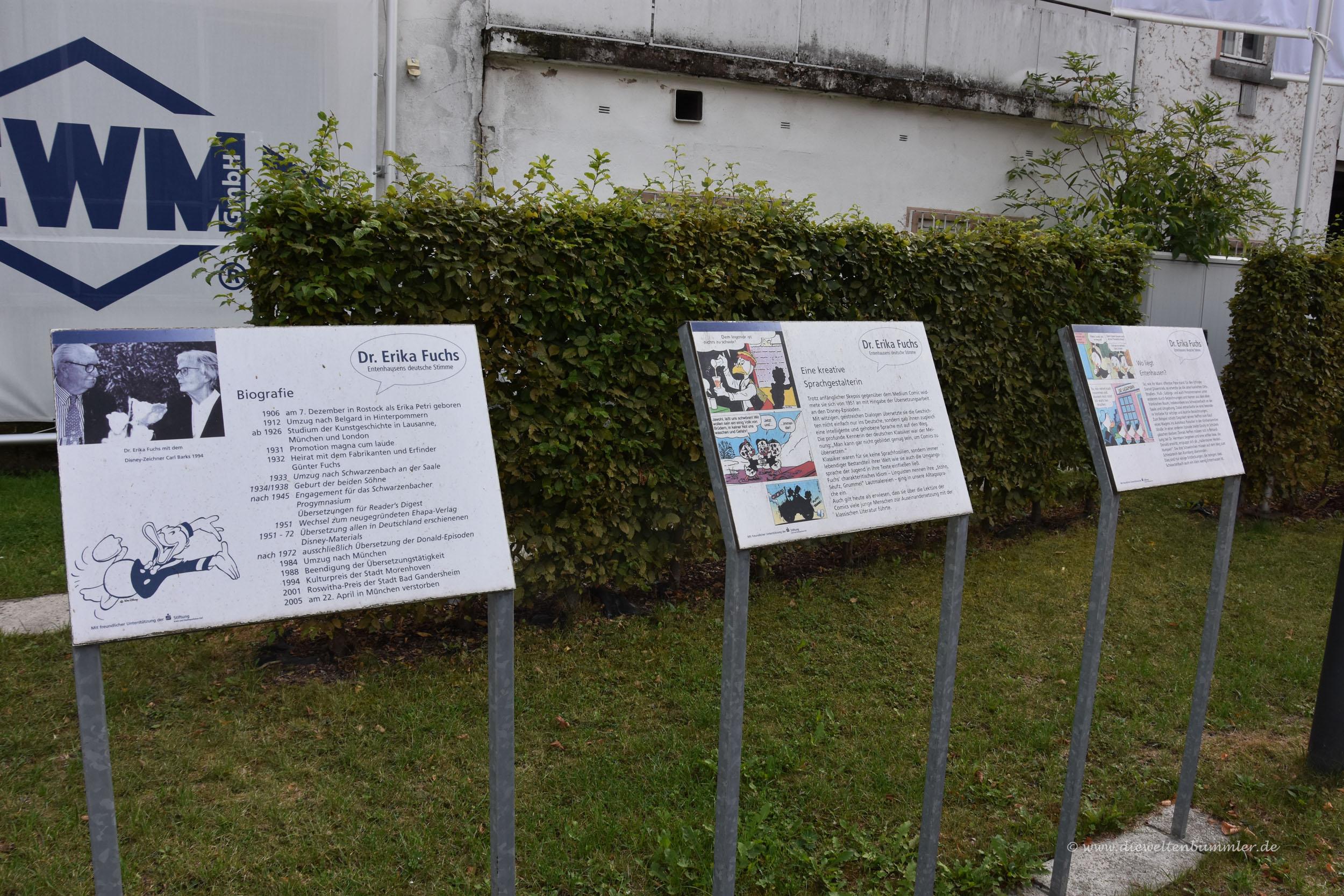Infotafeln auf dem Rathausplatz