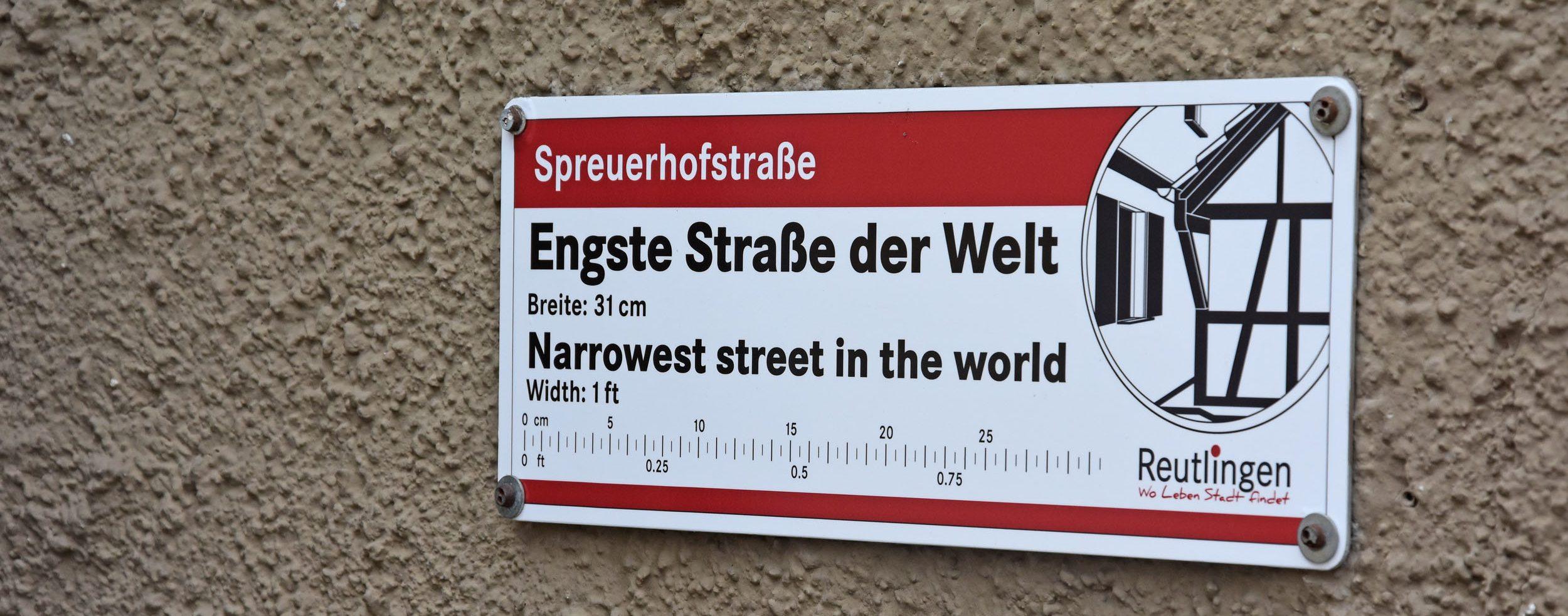 Schmalste Straße der Welt