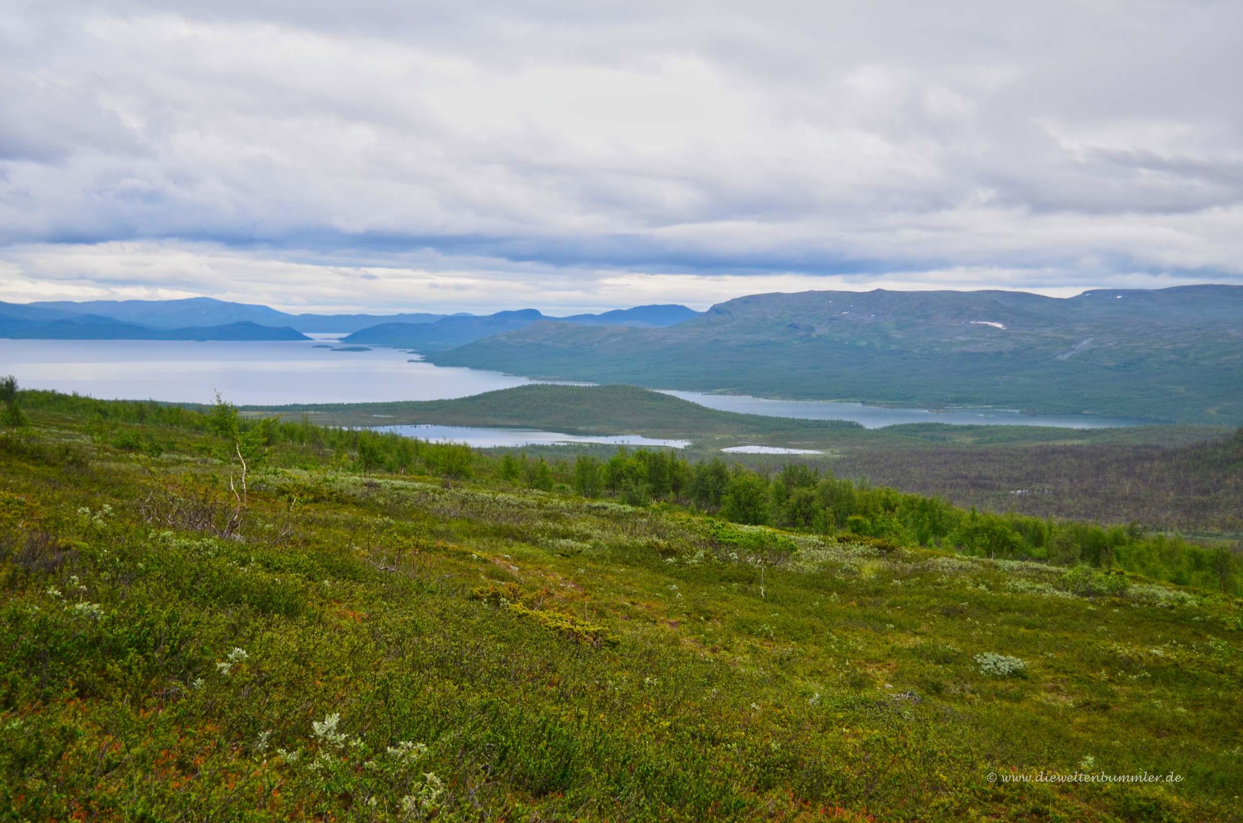Typische Seenlandschaft in Lappland