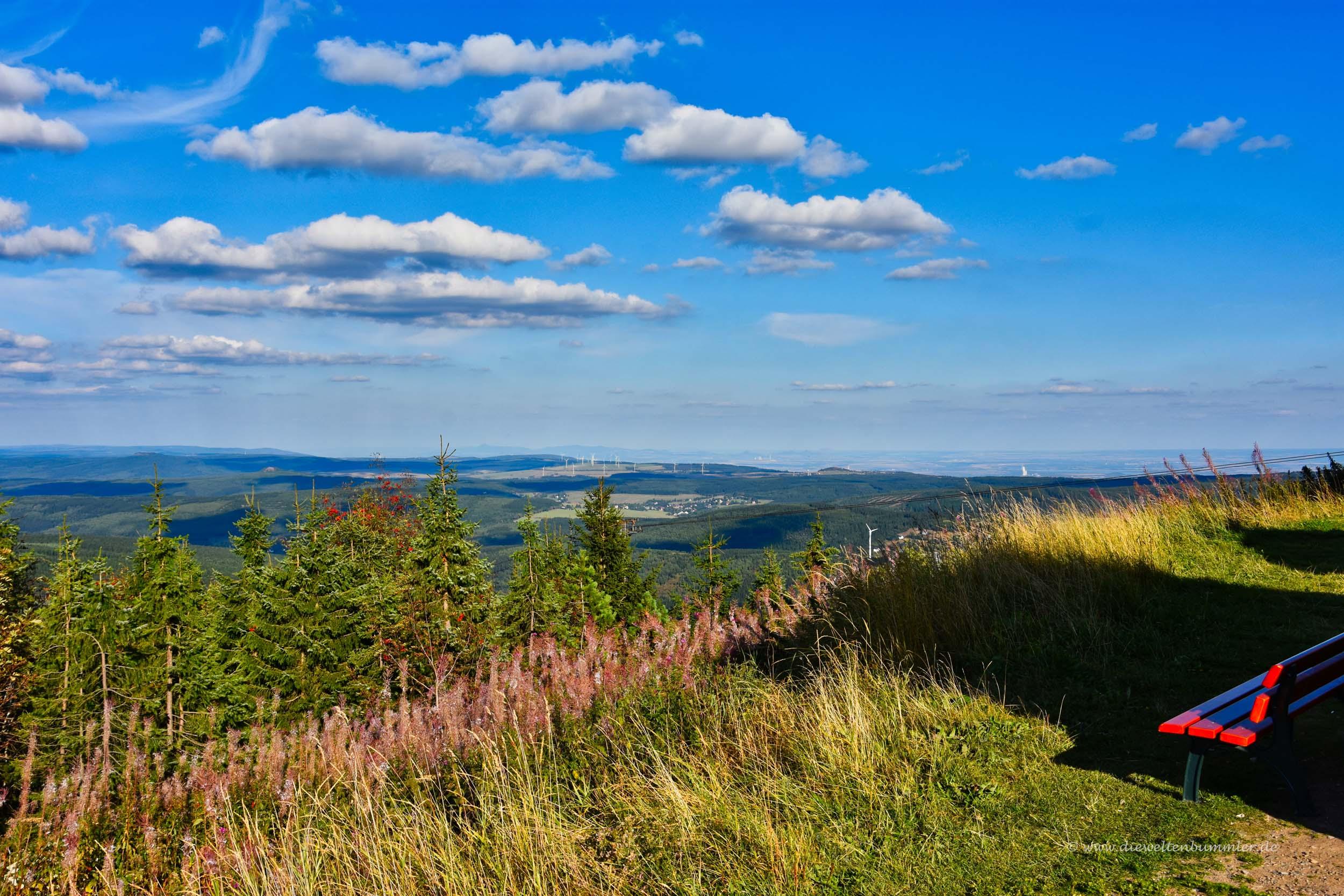 Ausblick vom Fichtelberg nach Tschechien