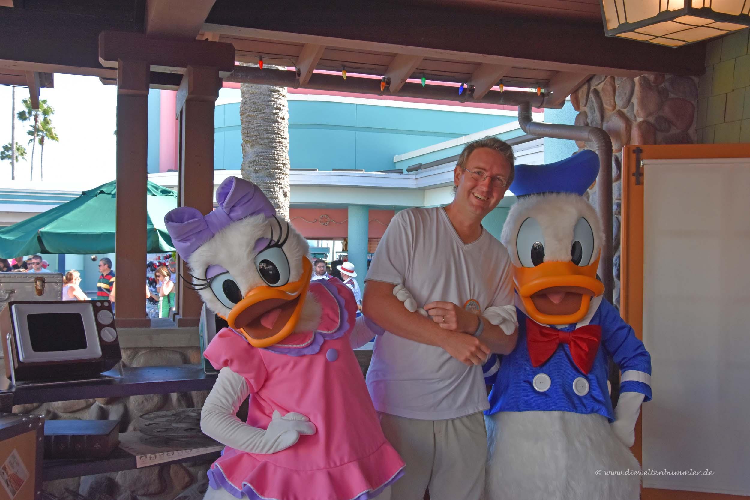 Im Arm von Donald und Daisy