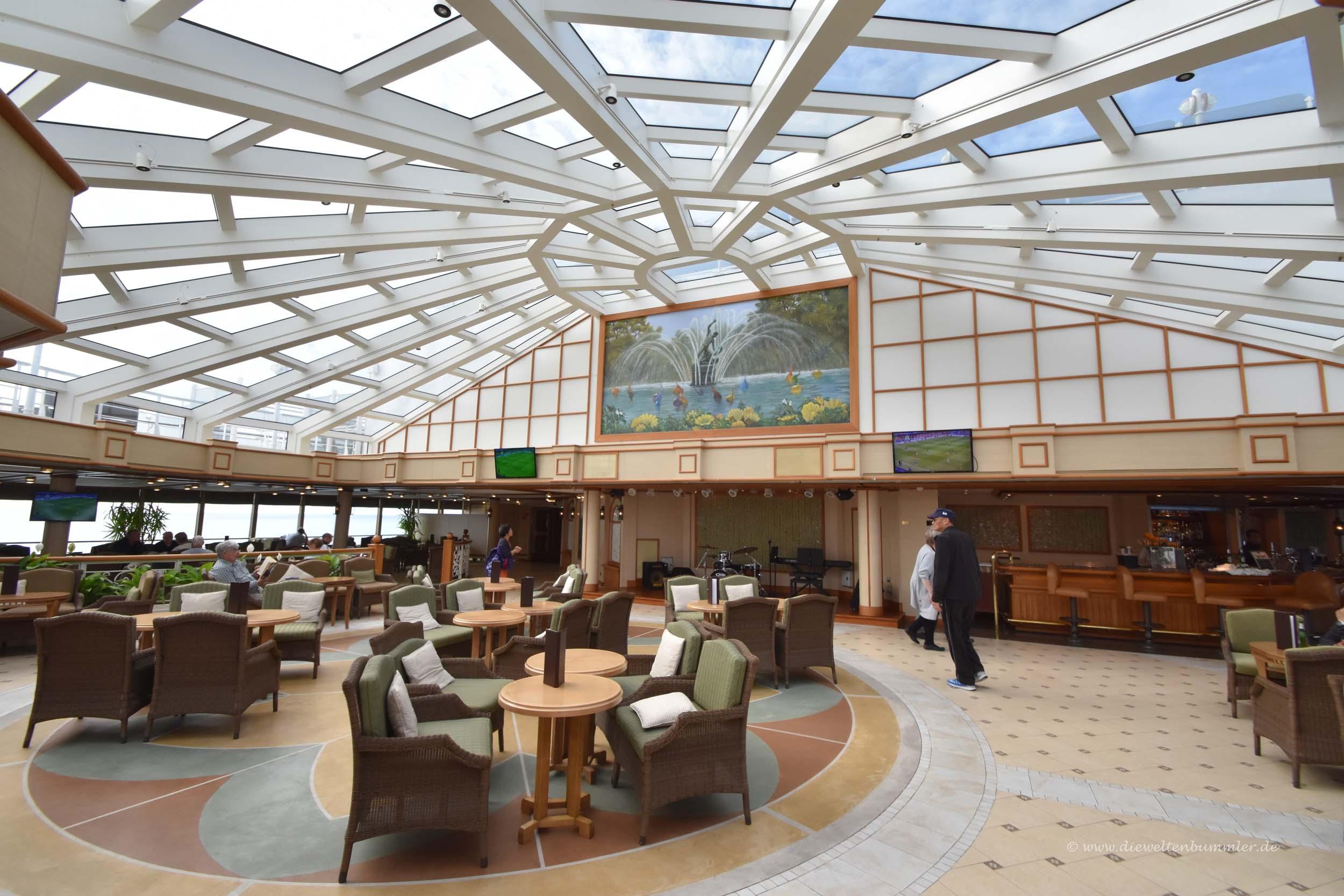 Klassische Lounge auf der Queen Elizabeth