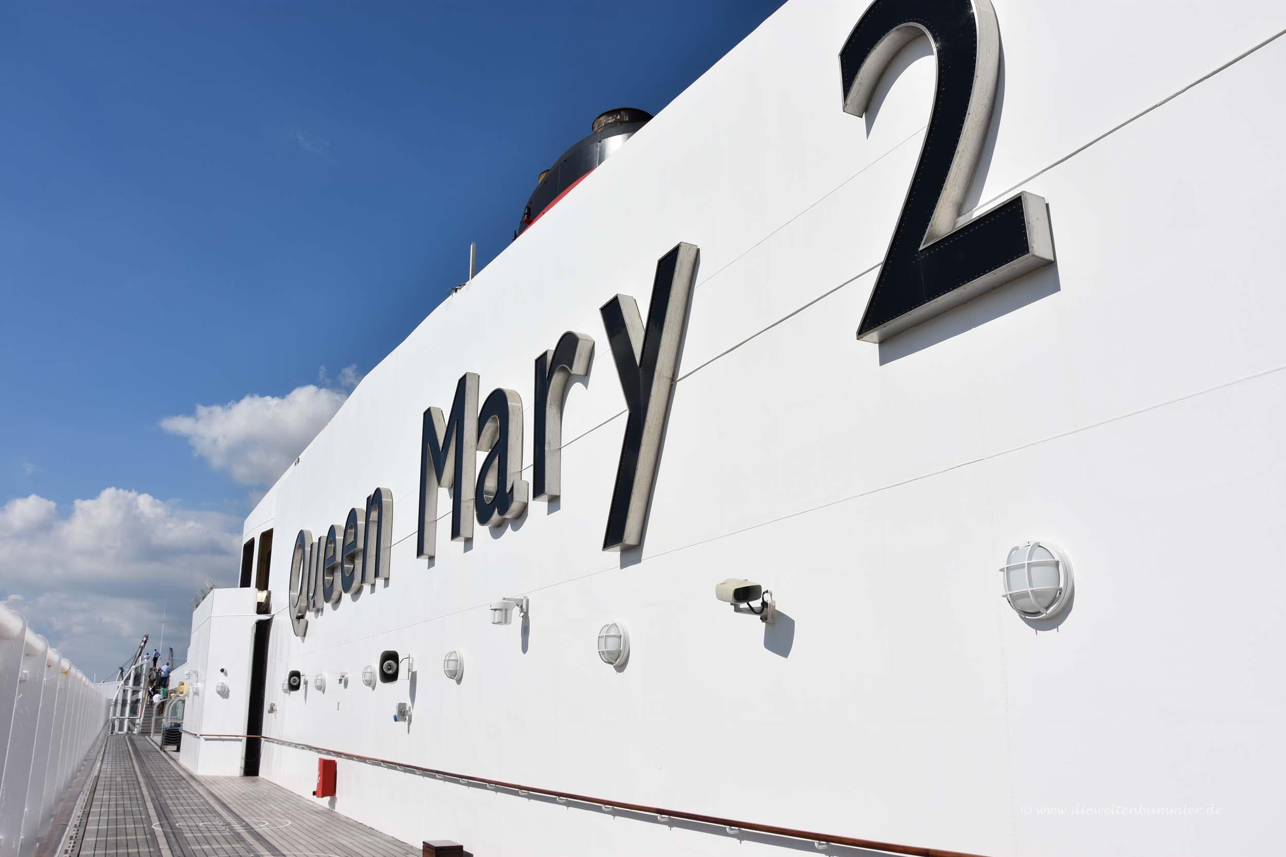 Schriftzug der Queen Mary 2
