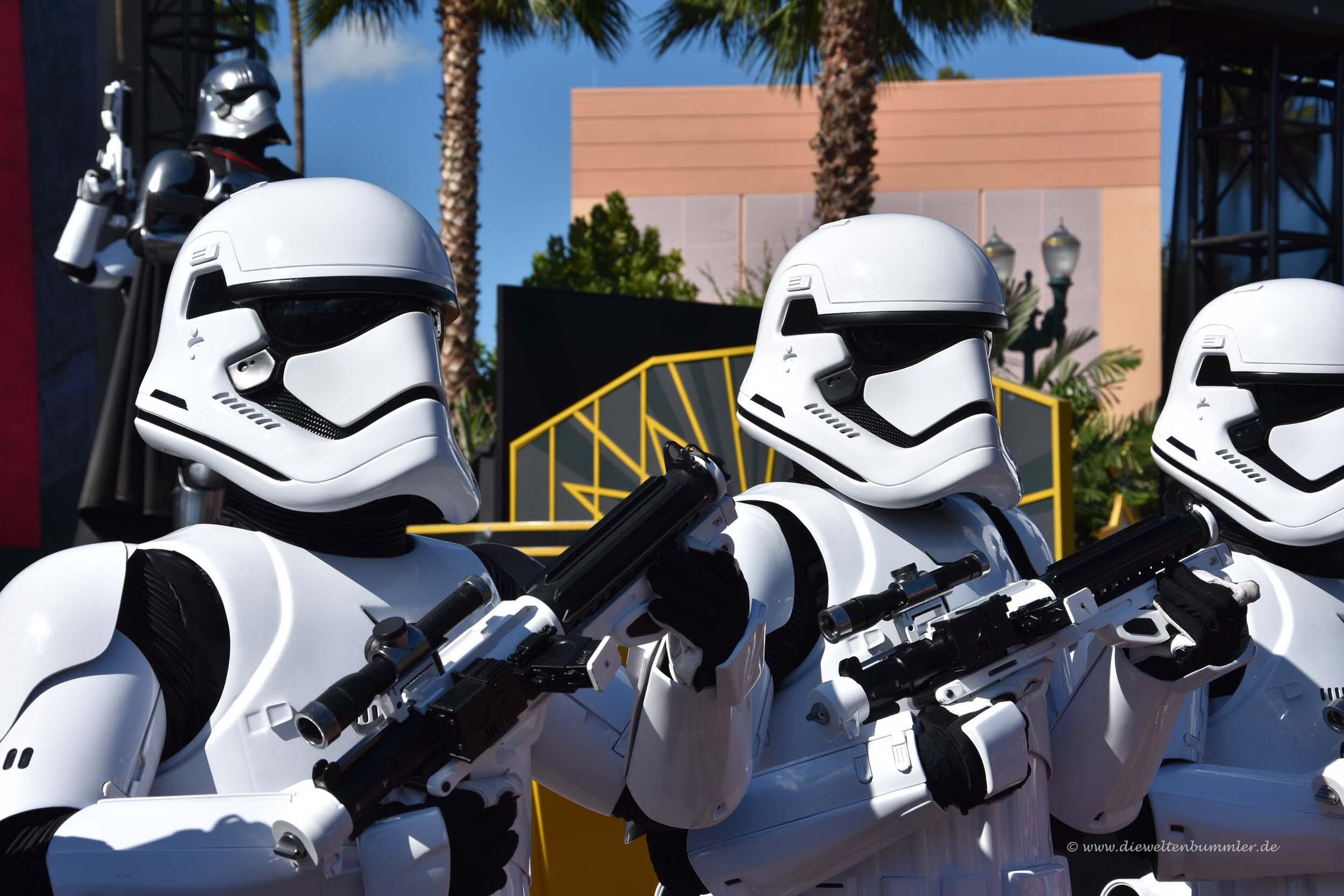 So nah kommt man Stormtroopern selten