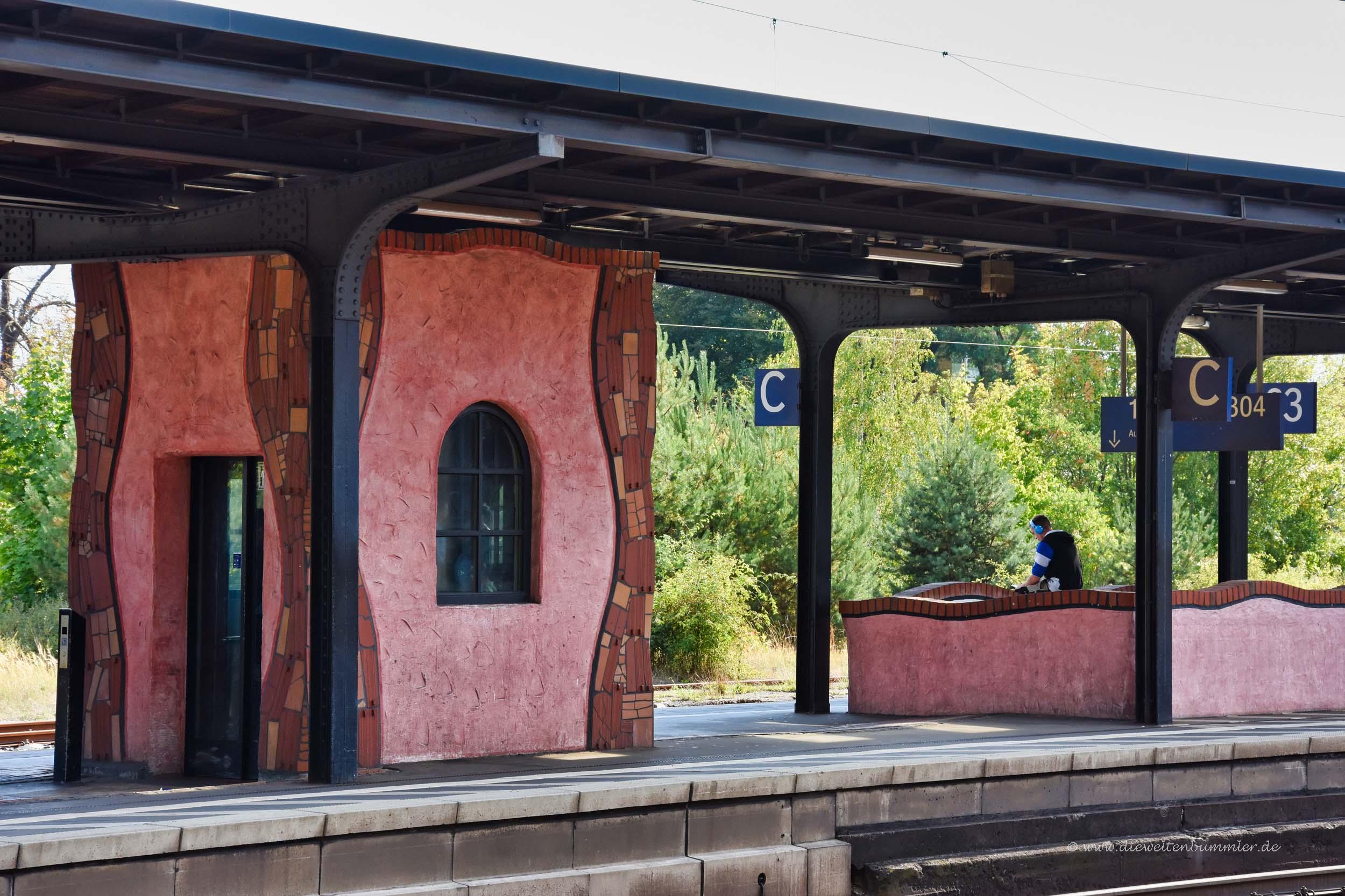 Bahnsteig vom Uelzener Bahnnhof