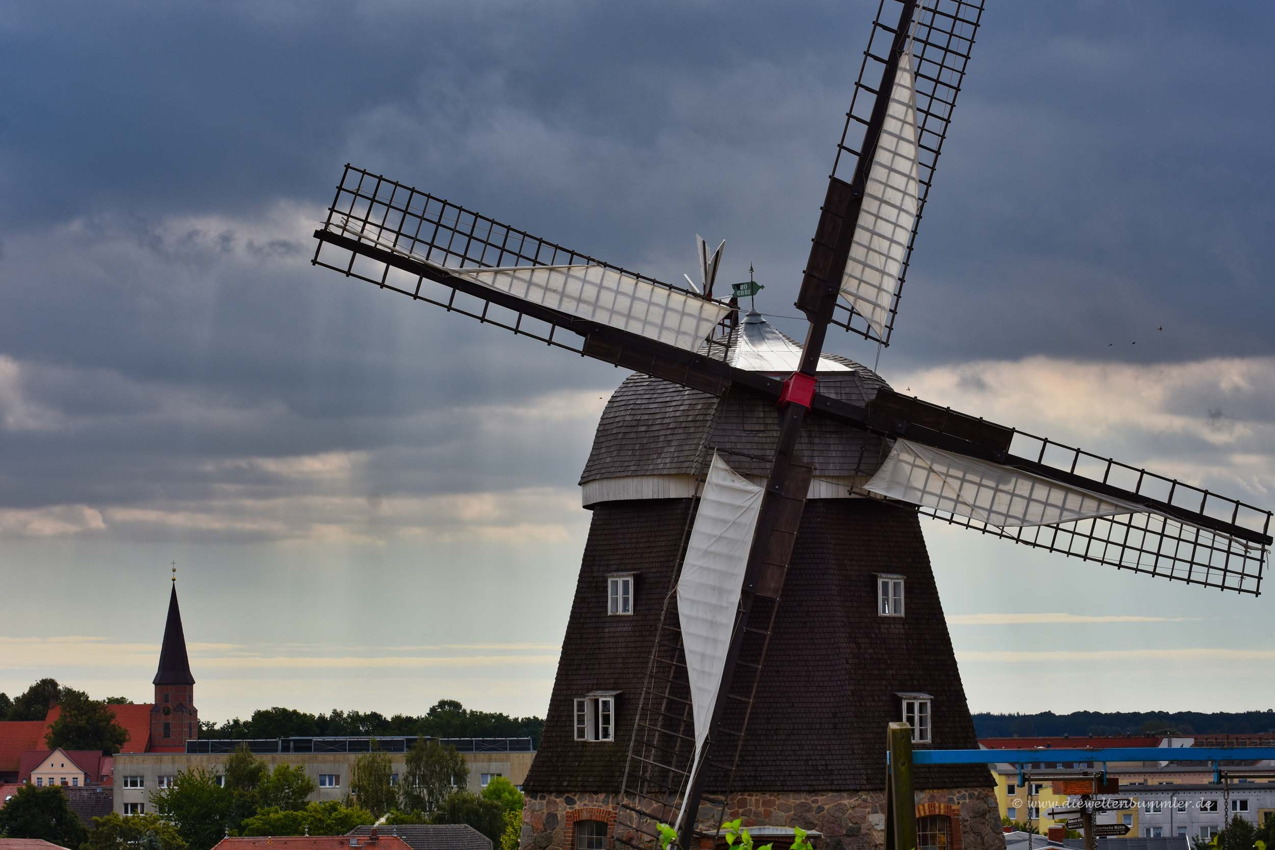 Bespannte Flügel der Windmühle