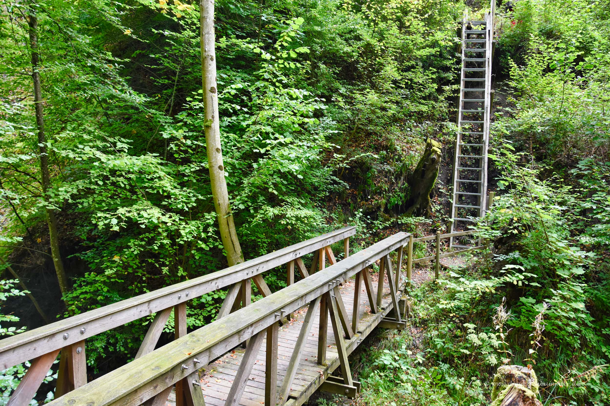 Brücke mit Treppe