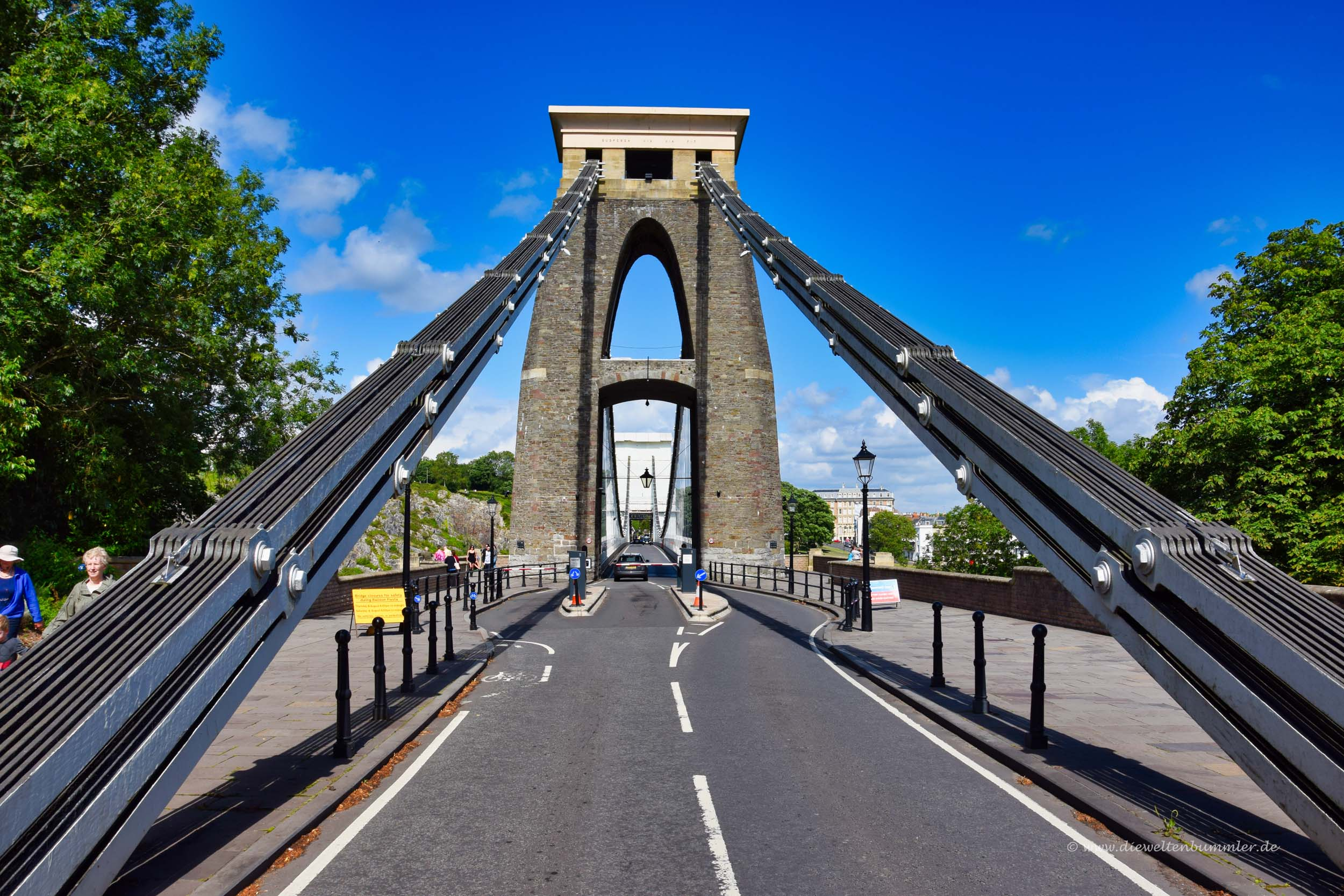 Zufahrt zur Clifton Suspension Bridge