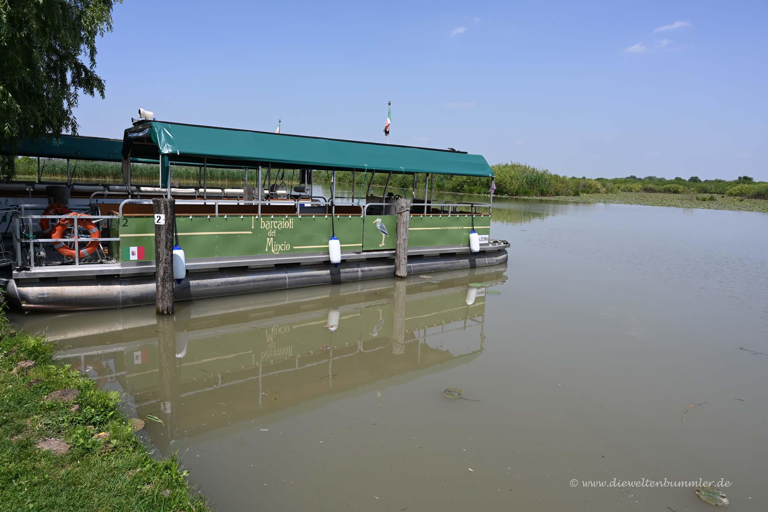 Ausflugsboot in Mantua