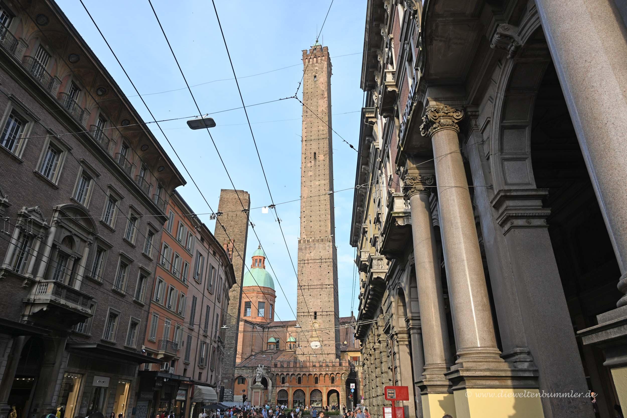 Bolognas schiefer Turm