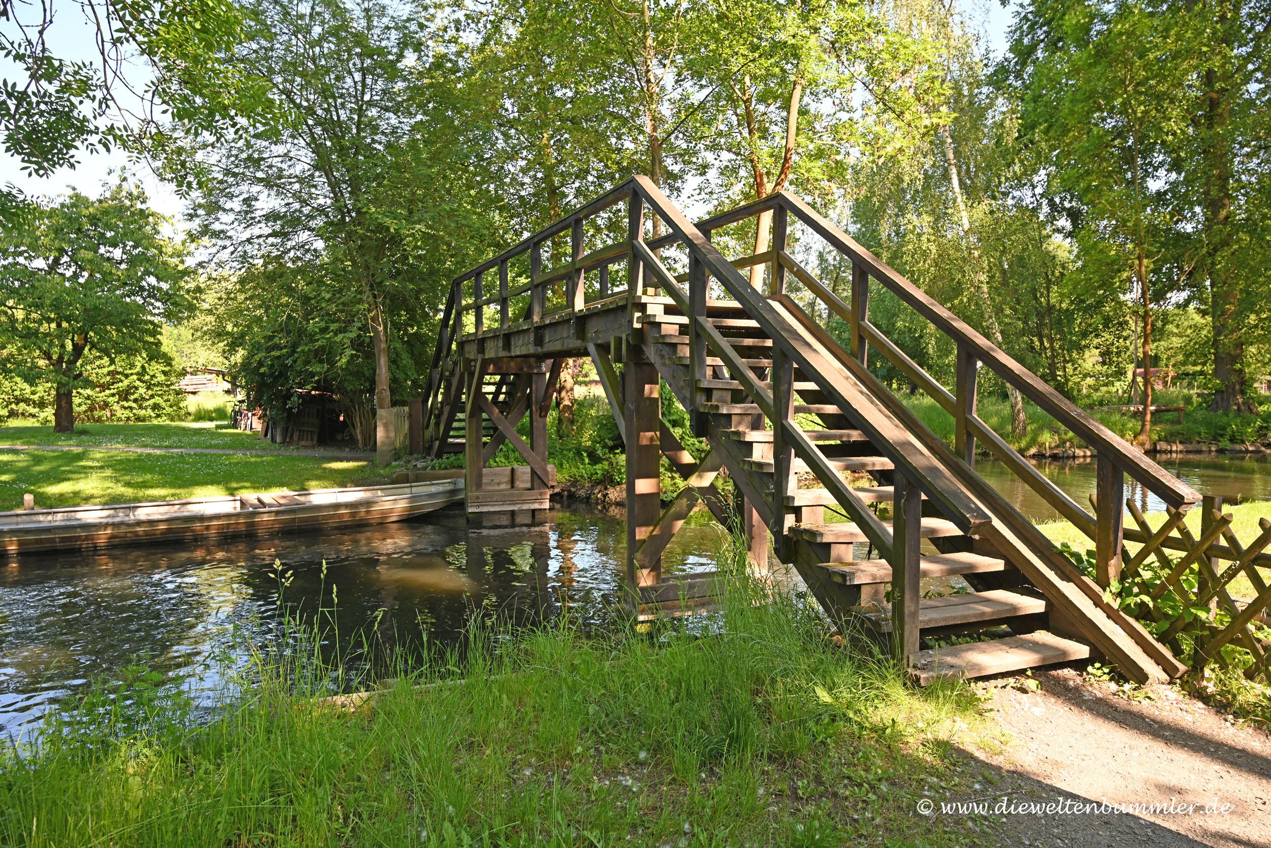 Brücke über die Fließen
