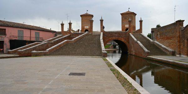 Brücke über drei Kanäle