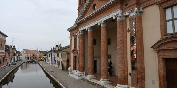 Comacchio mit seinen Kanälen