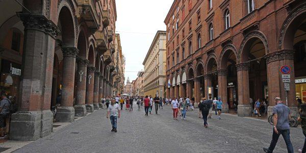 Fußgängerzone in Bologna