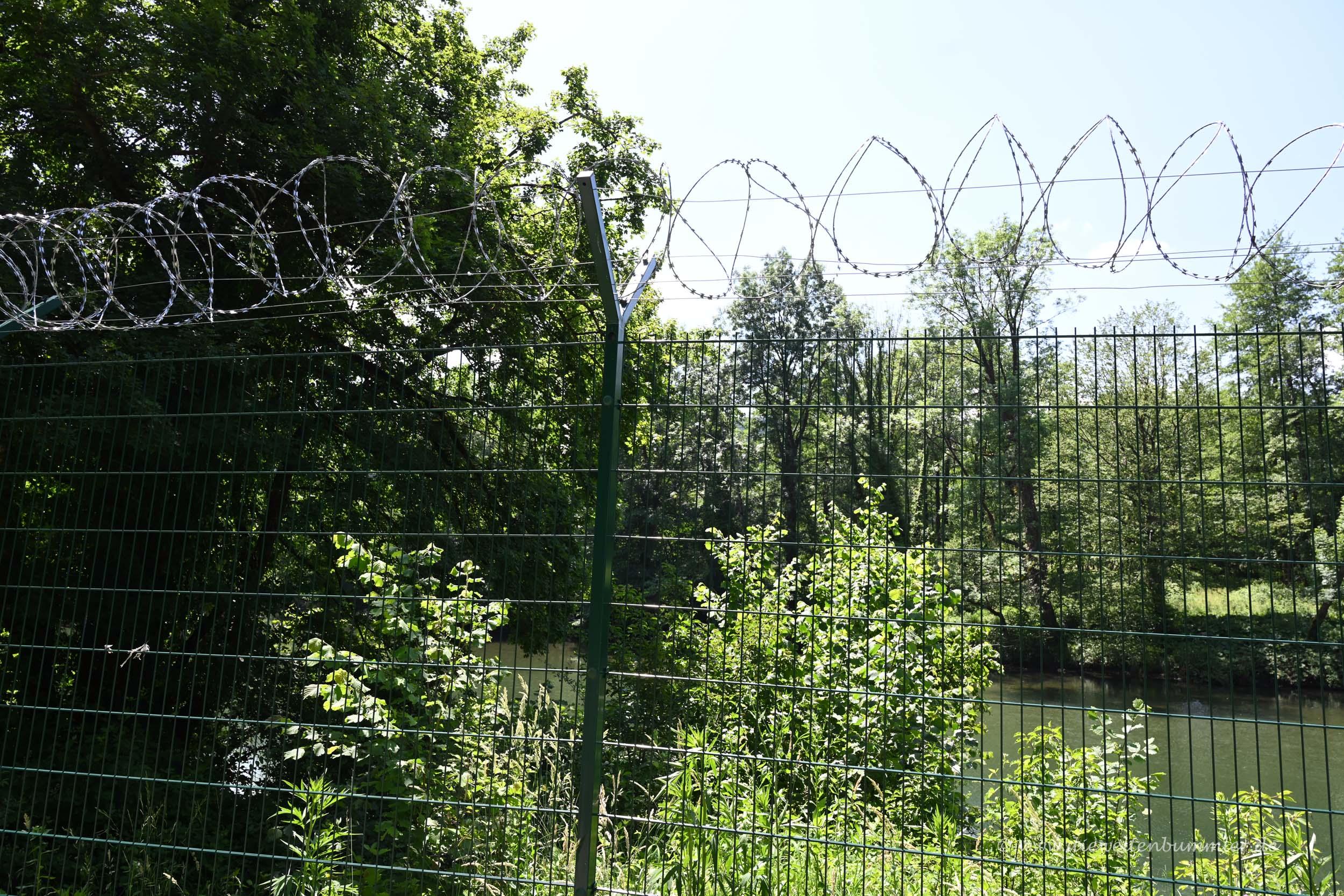 Grenzzaun zwischen Slowenien und Kroatien