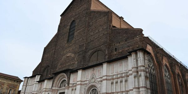 Unfertige Kathedrale in Bologna
