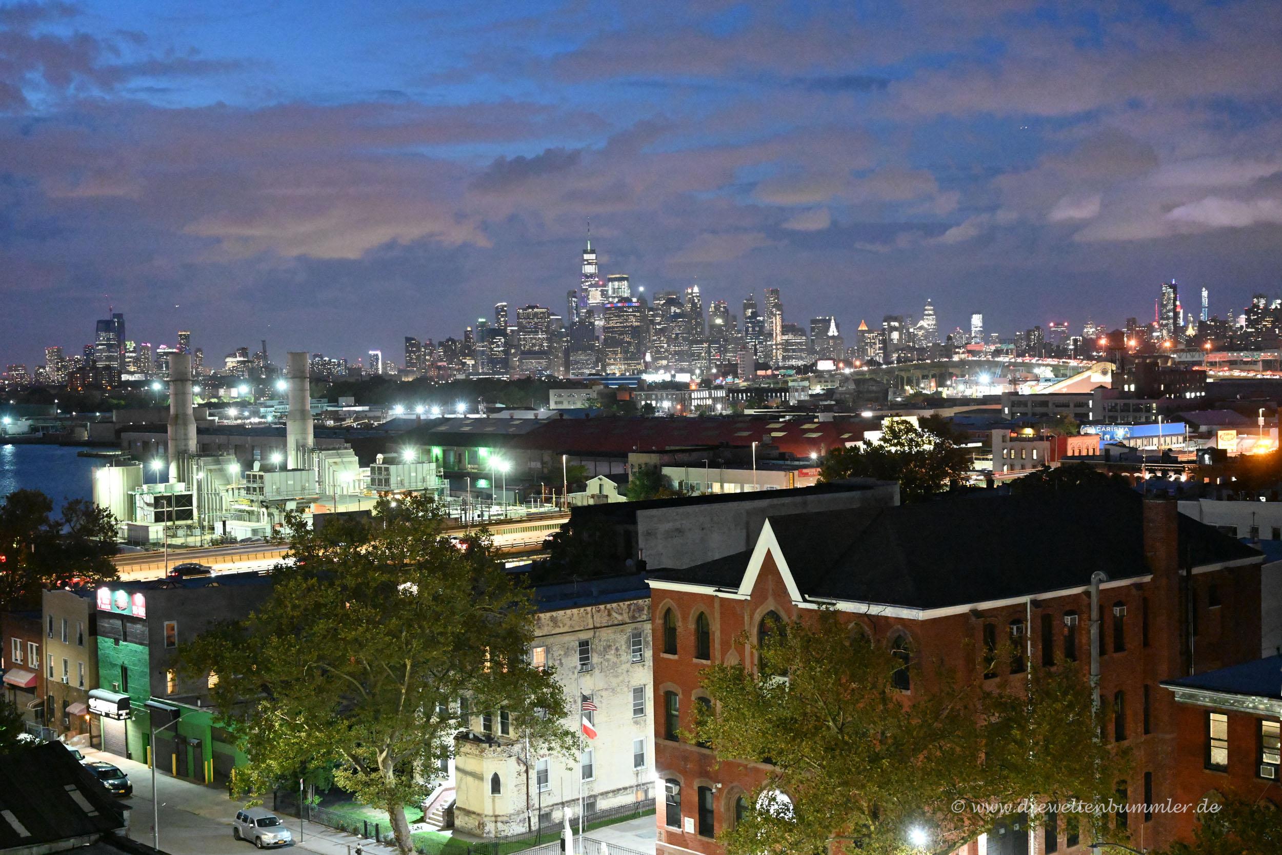 Ausblick über Brooklyn nach Manhattan