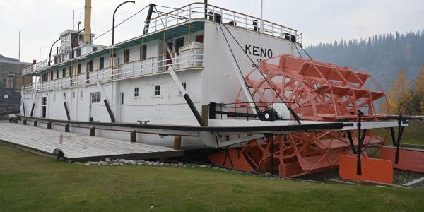 Schaufelraddampfer Keno