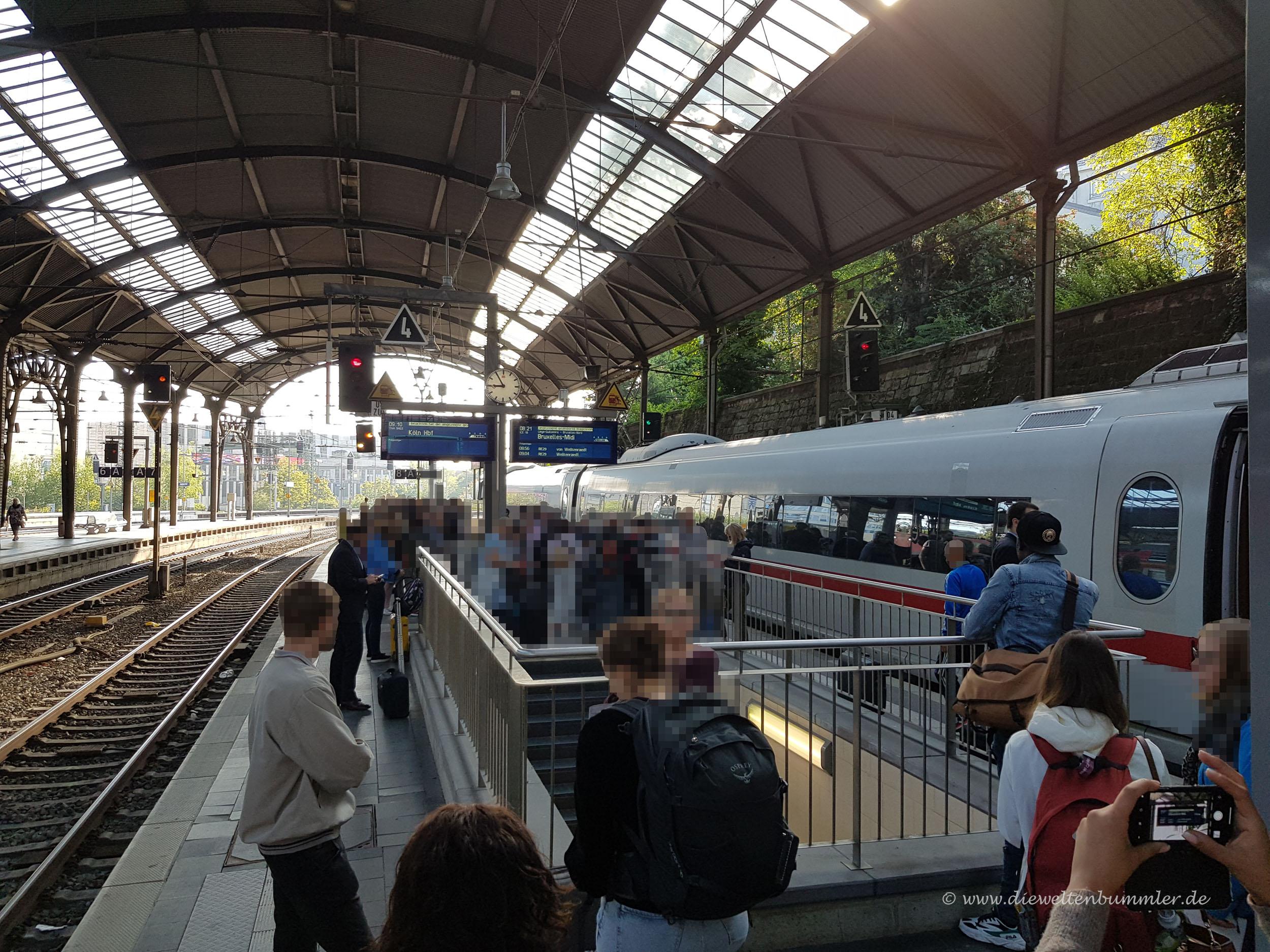 ICE bleibt in Aachen liegen