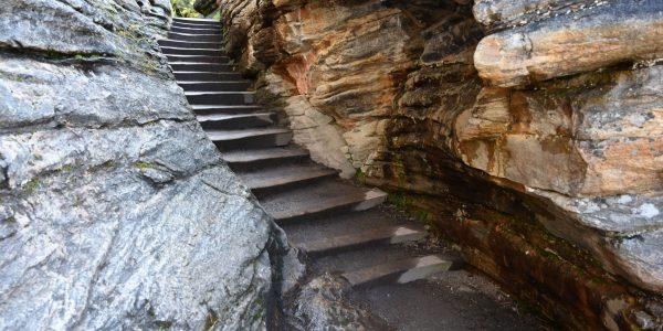 Wanderwege mit Treppen