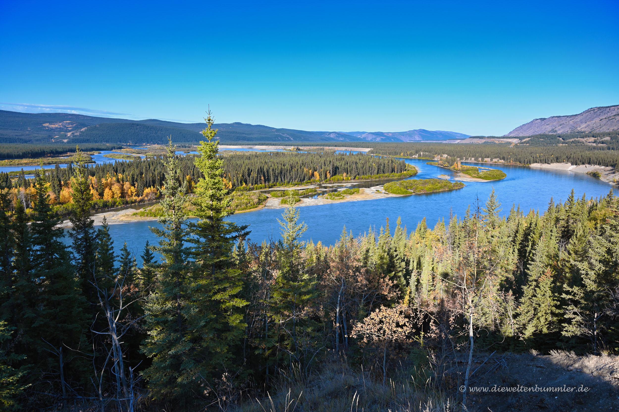 Flusslandschaft im Yukon