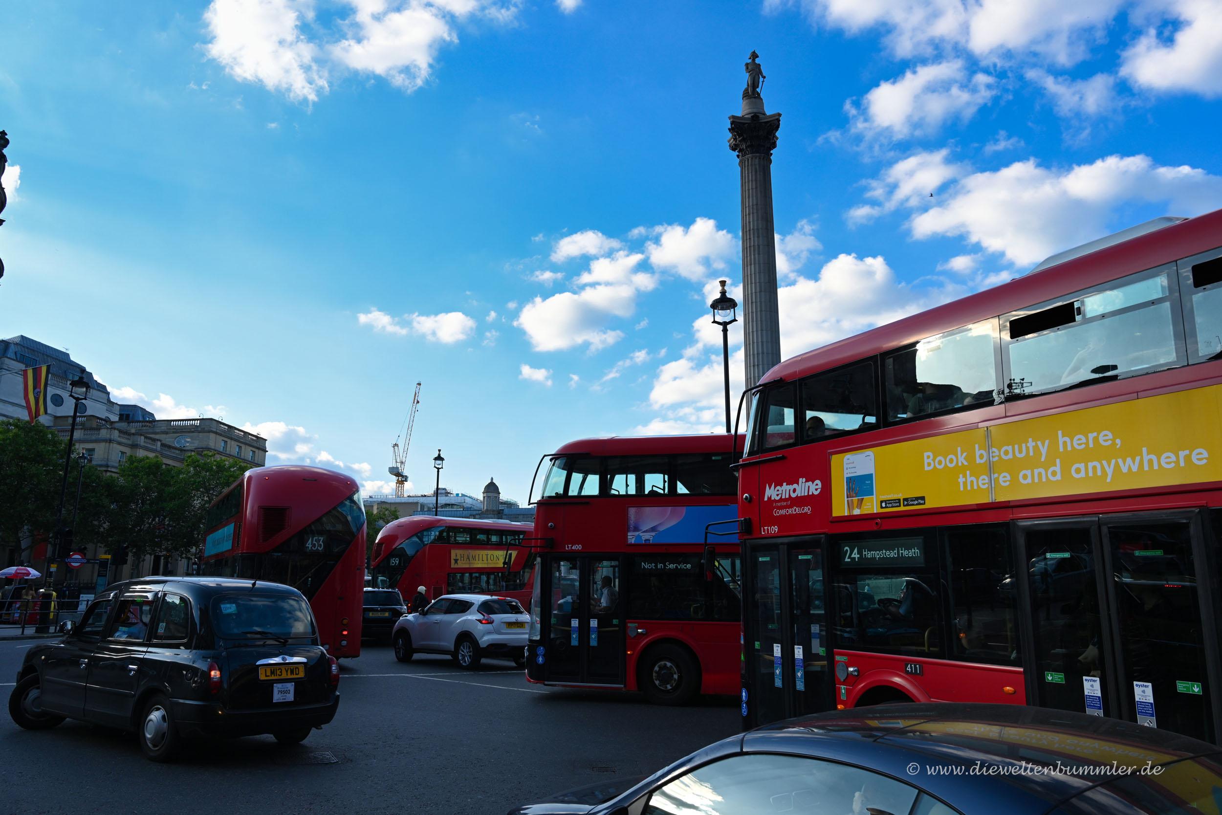 Verkehr am Trafalgar Square