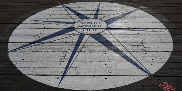 Kompassnadel am Pier