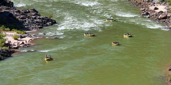 Schlauchboote auf dem Colorado River