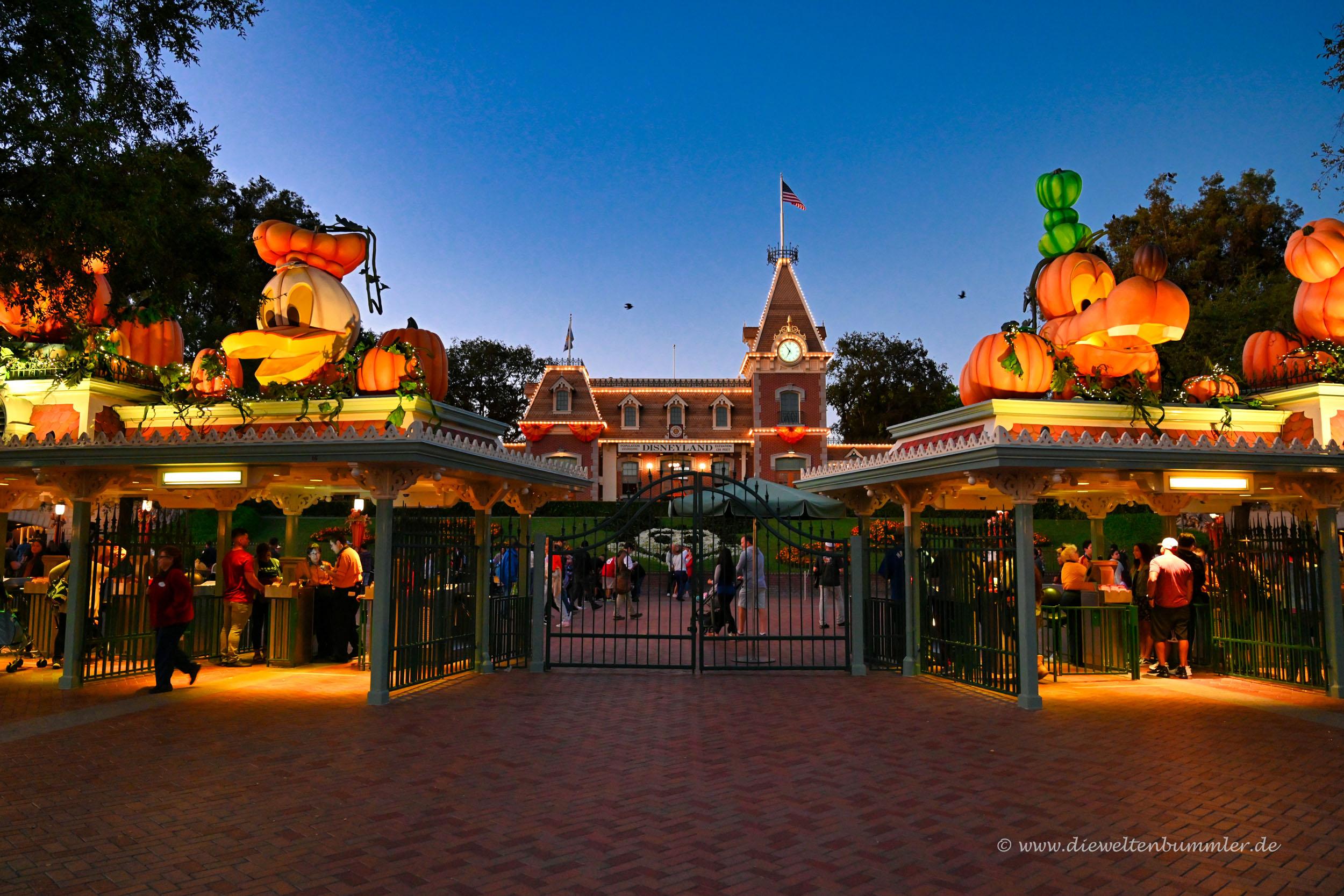 Zugang am Disney Village