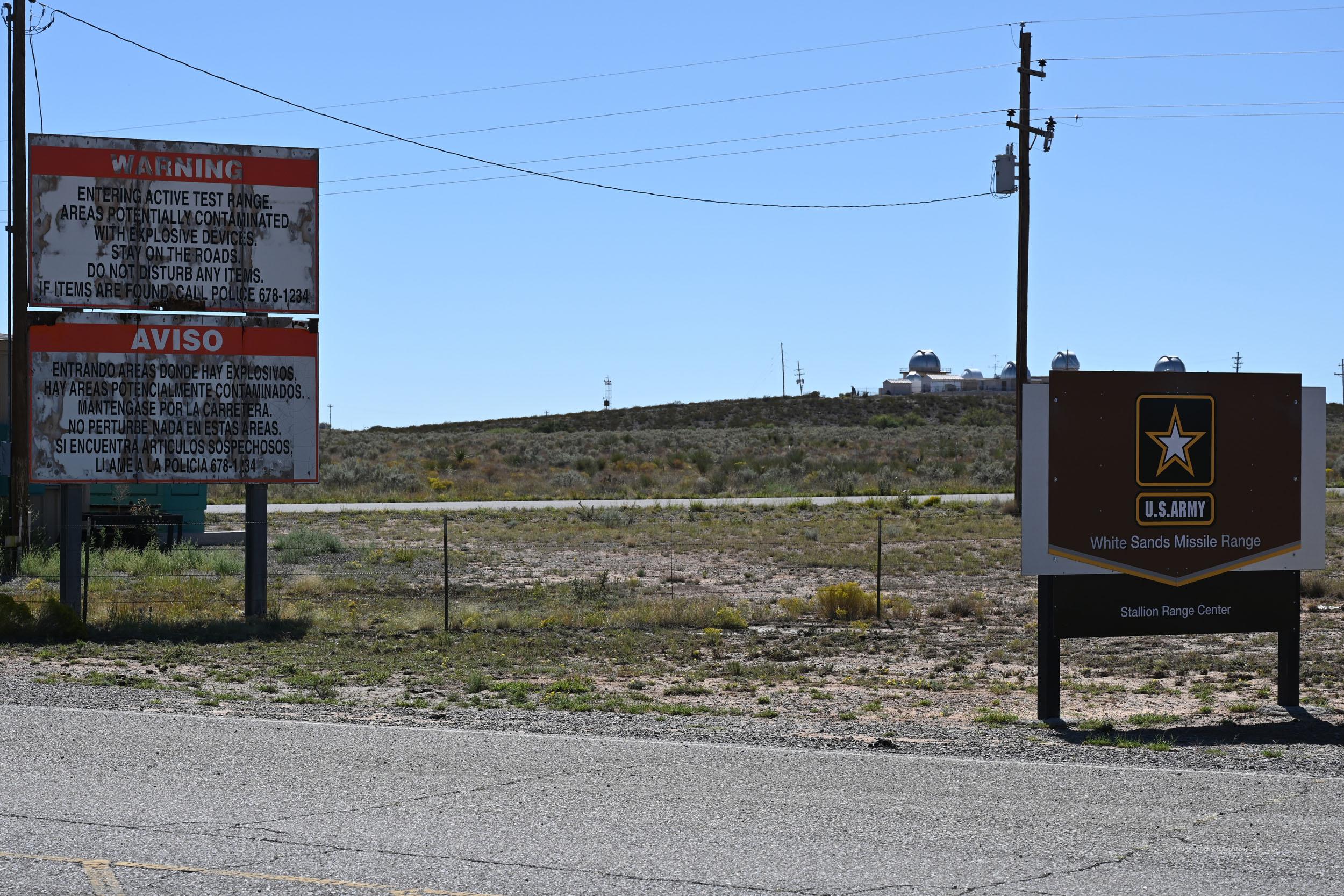 Zufahrt zur Militärbasis