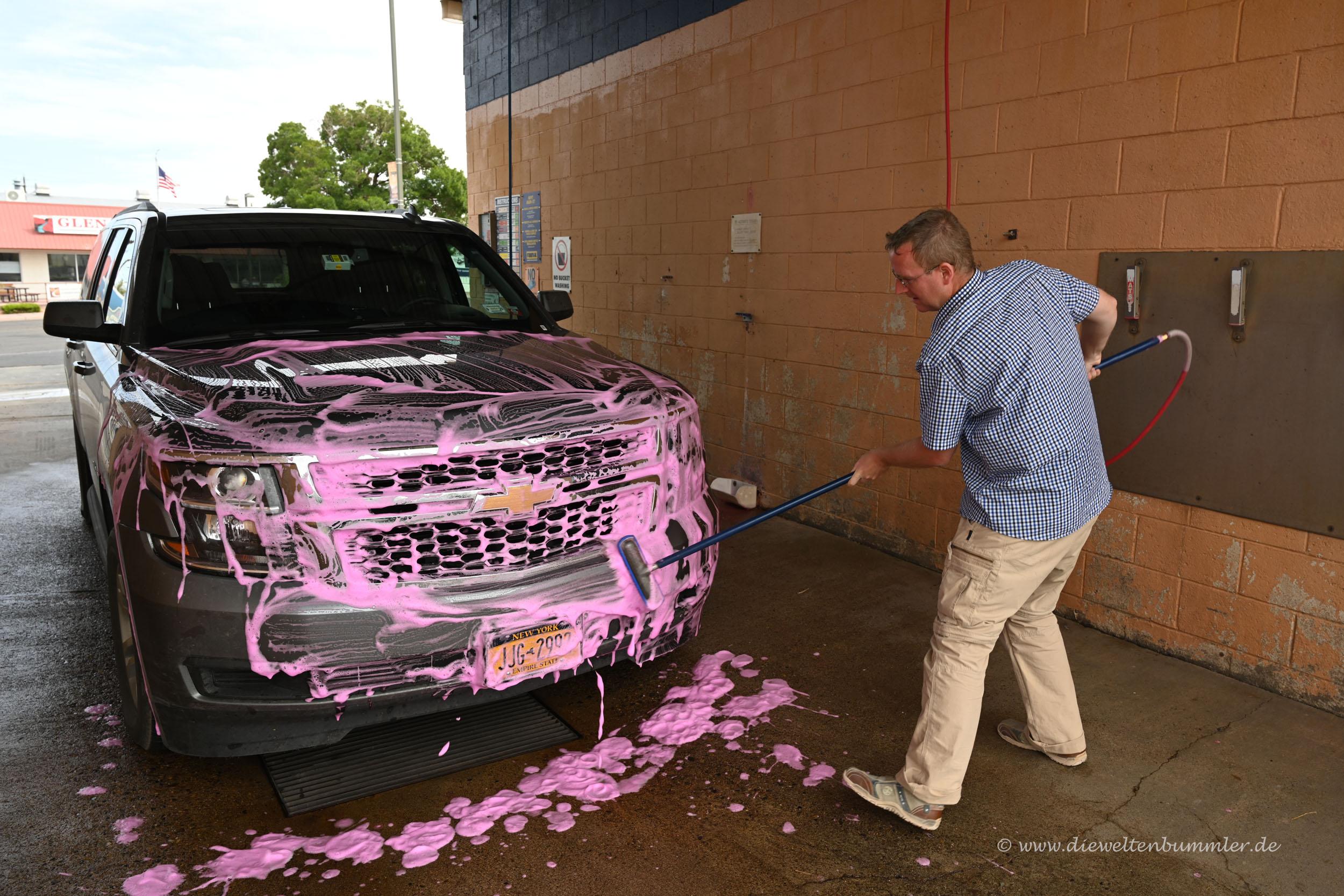 Wagenwäsche in pink