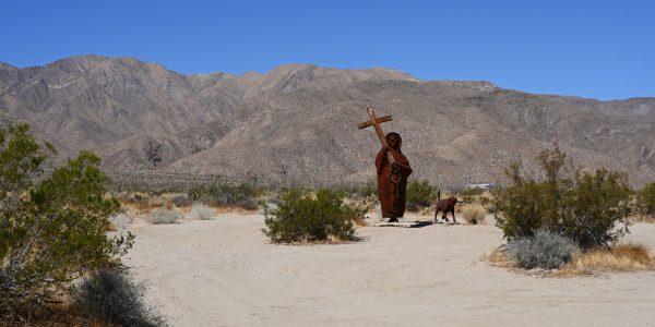 Skulptur in der Wüste