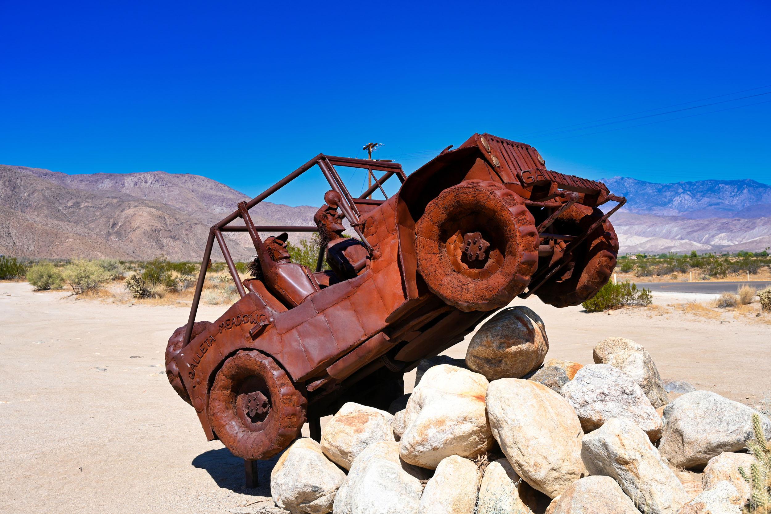 Jeep-Skulptur in Borrego Springs