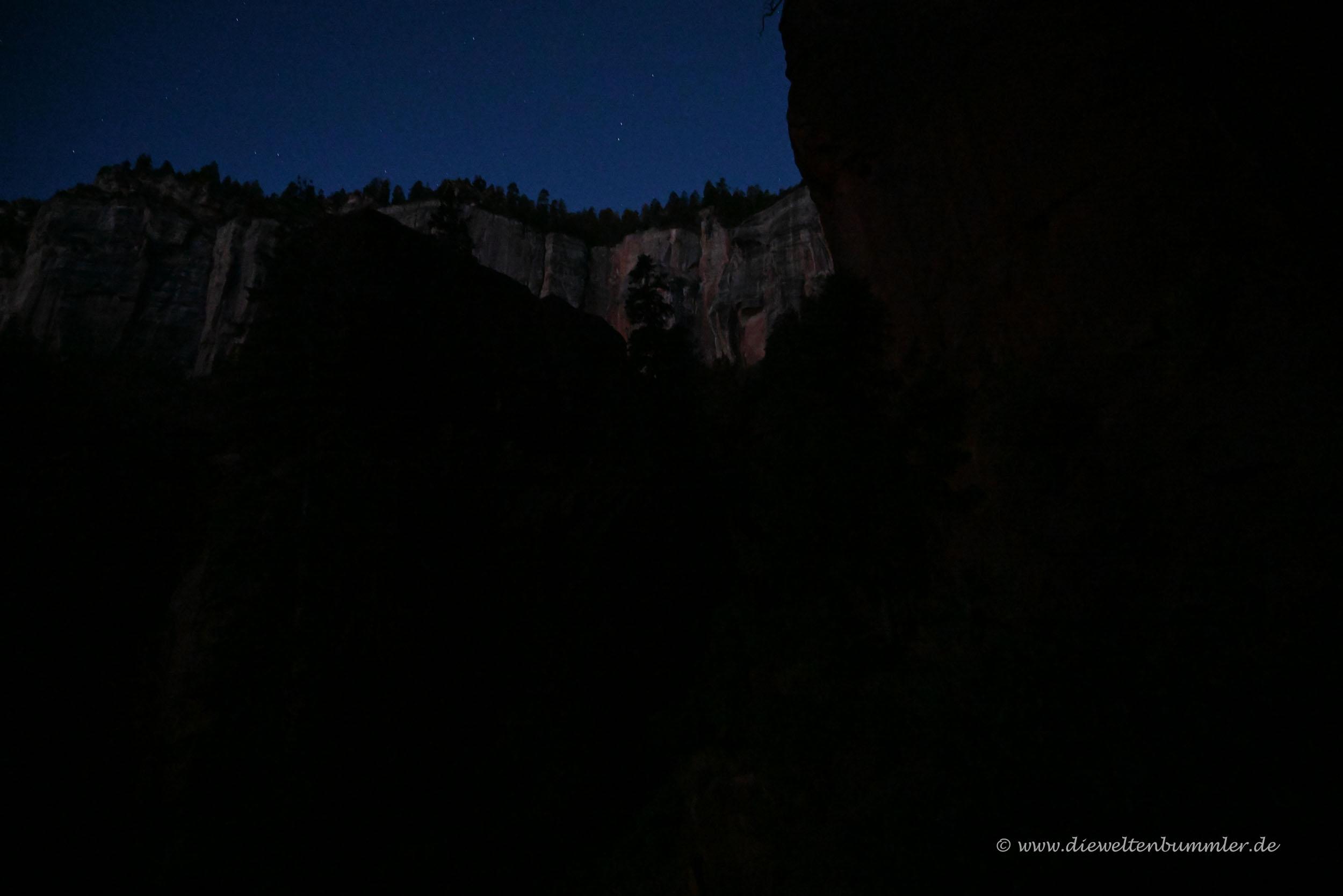 Dunkelheit über dem Canyon