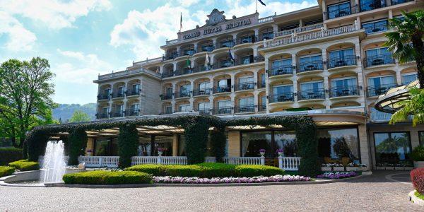 Eines der mondänen Hotels
