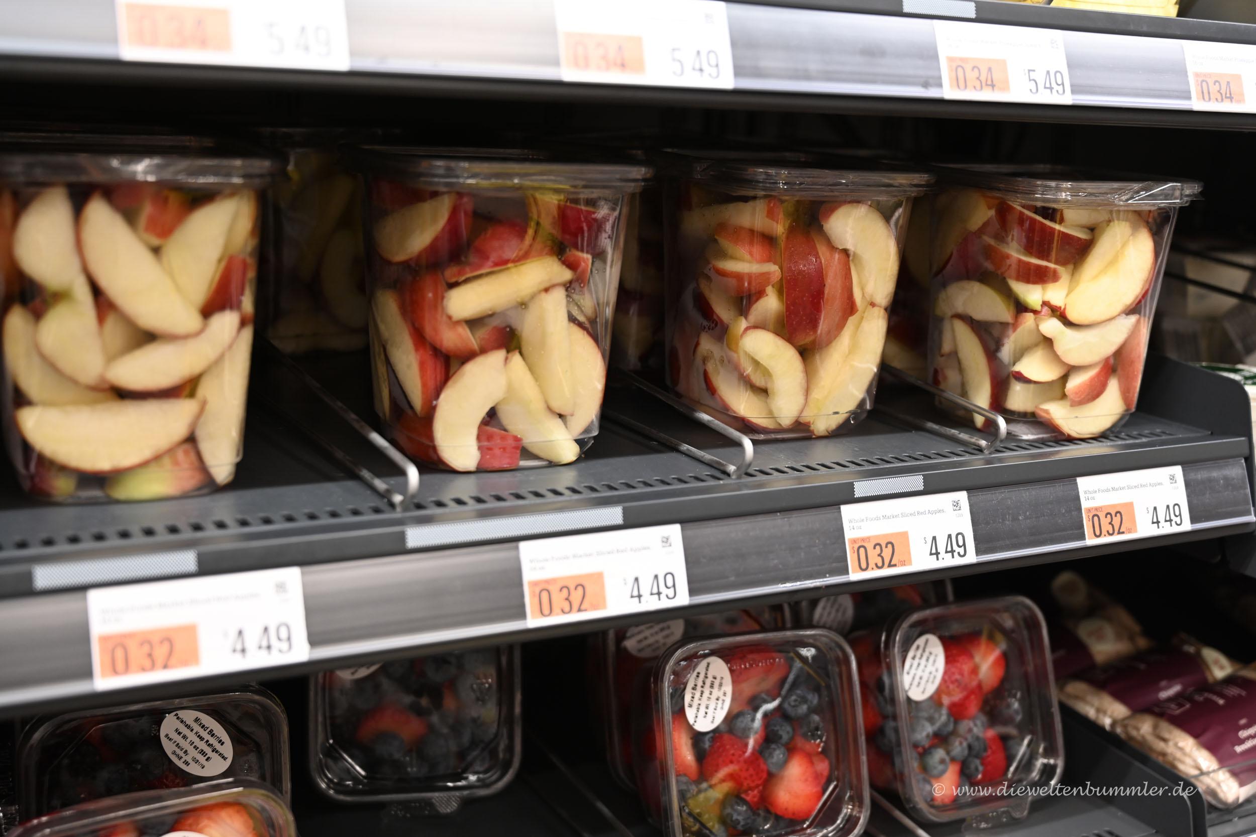 Geschnittenes Obst im Becher