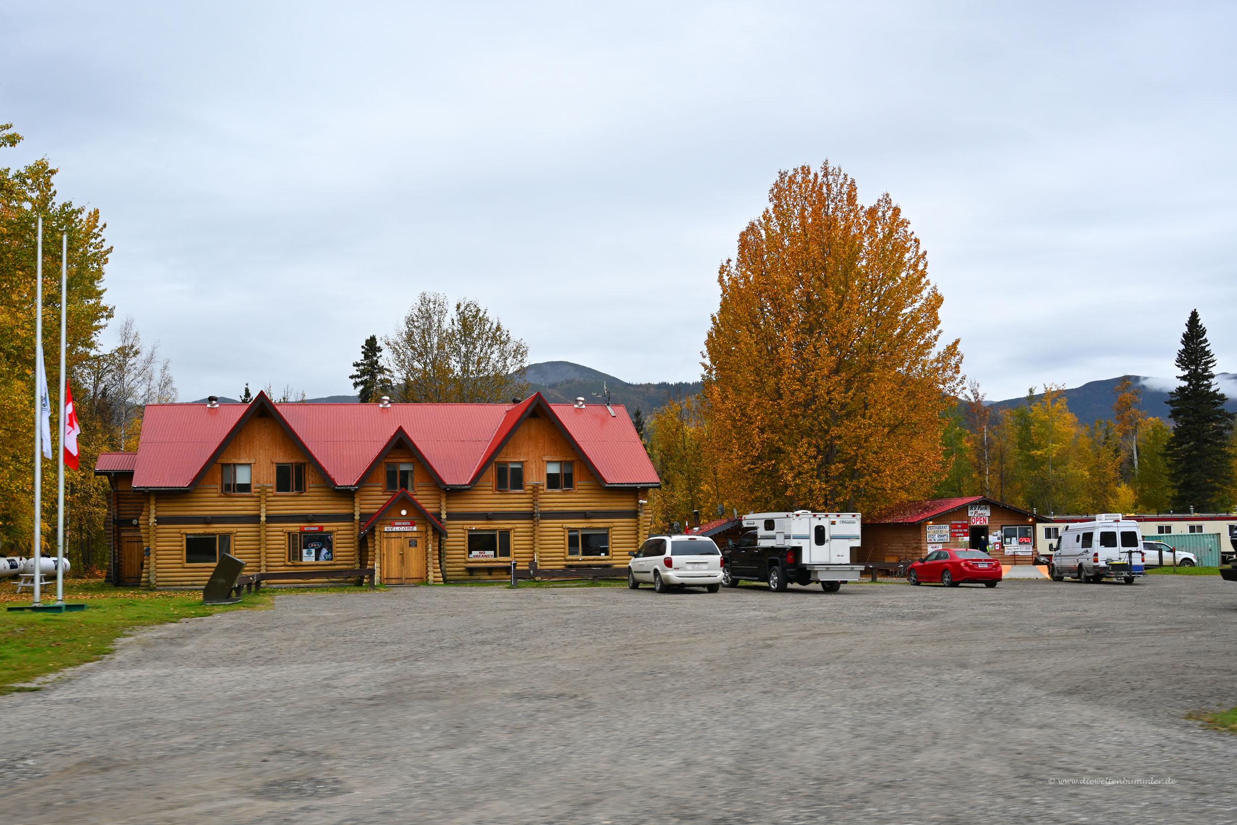 Liard Hotsprings Lodge