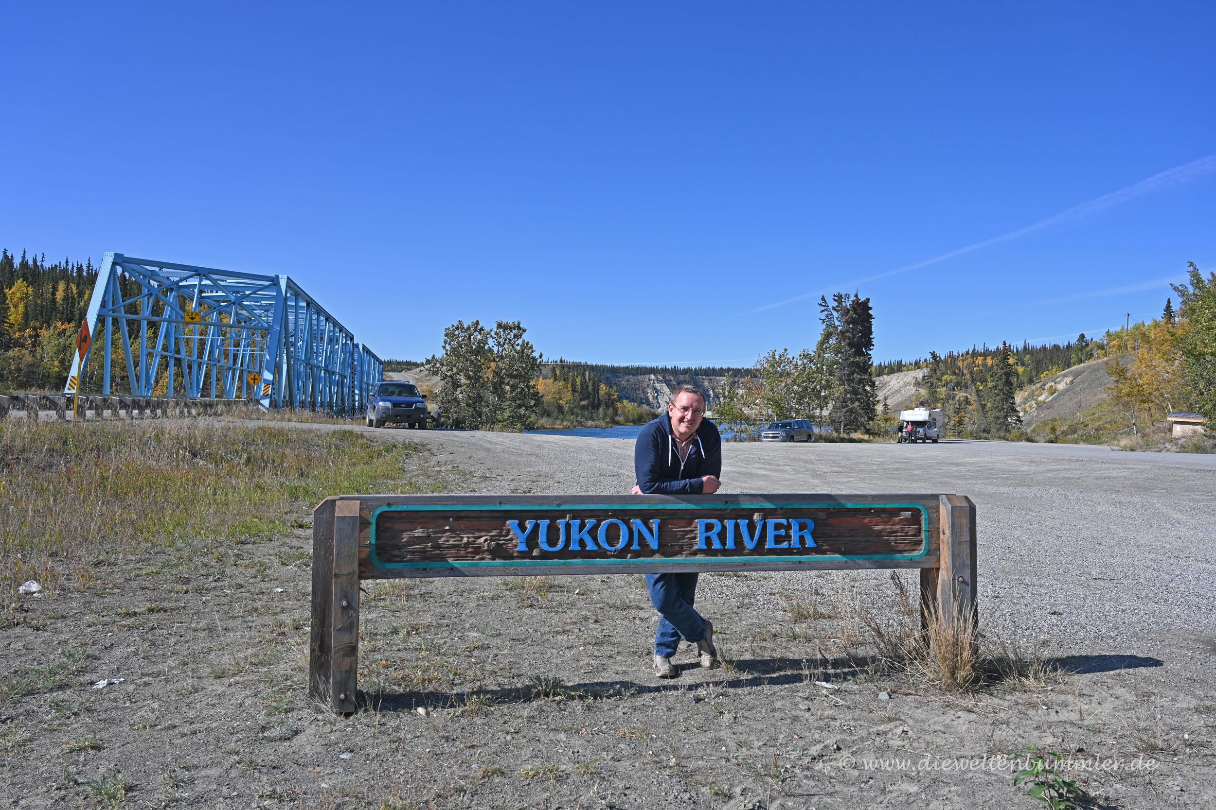 Michael Moll am Yukon River