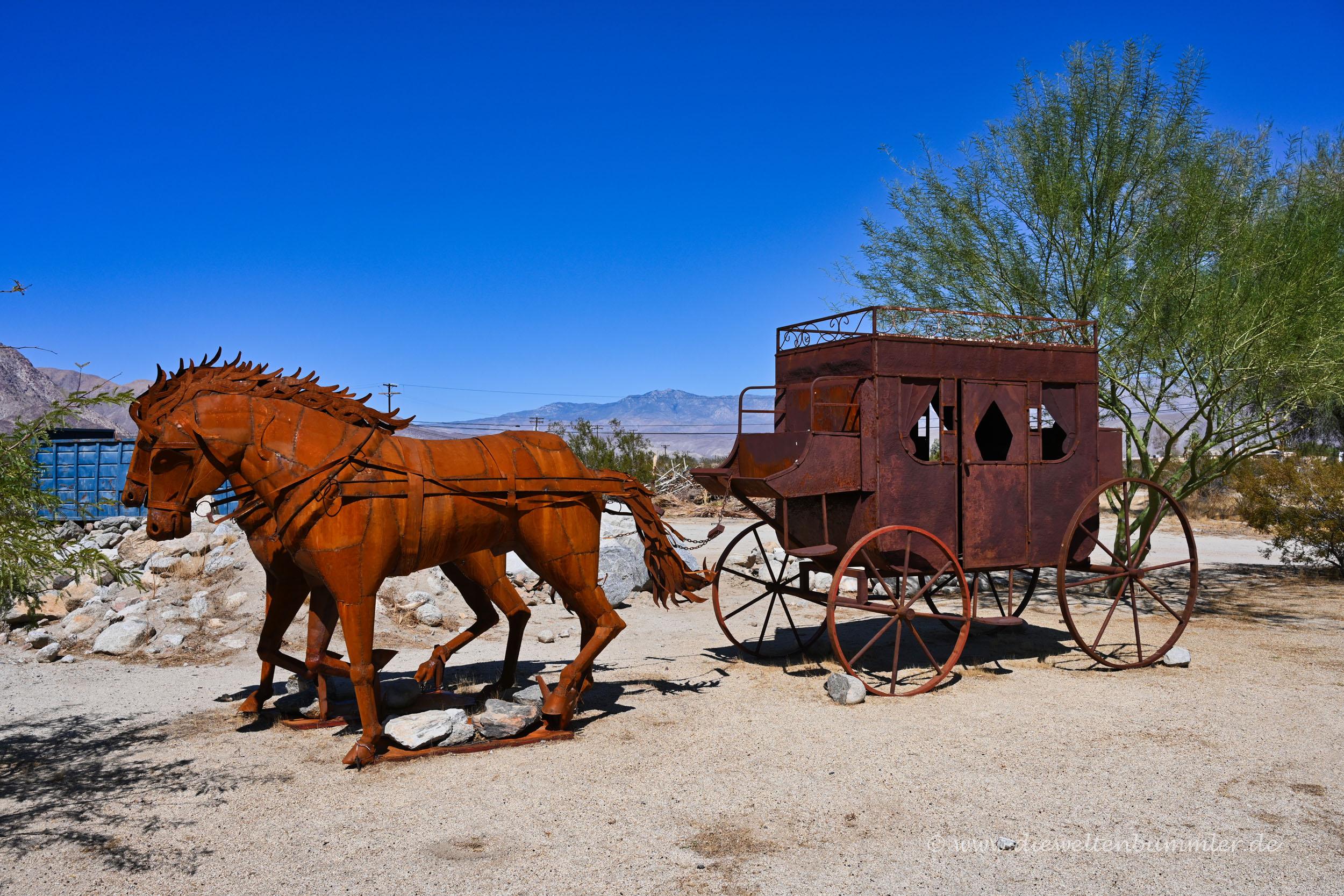 Pferdekutsche aus Metall