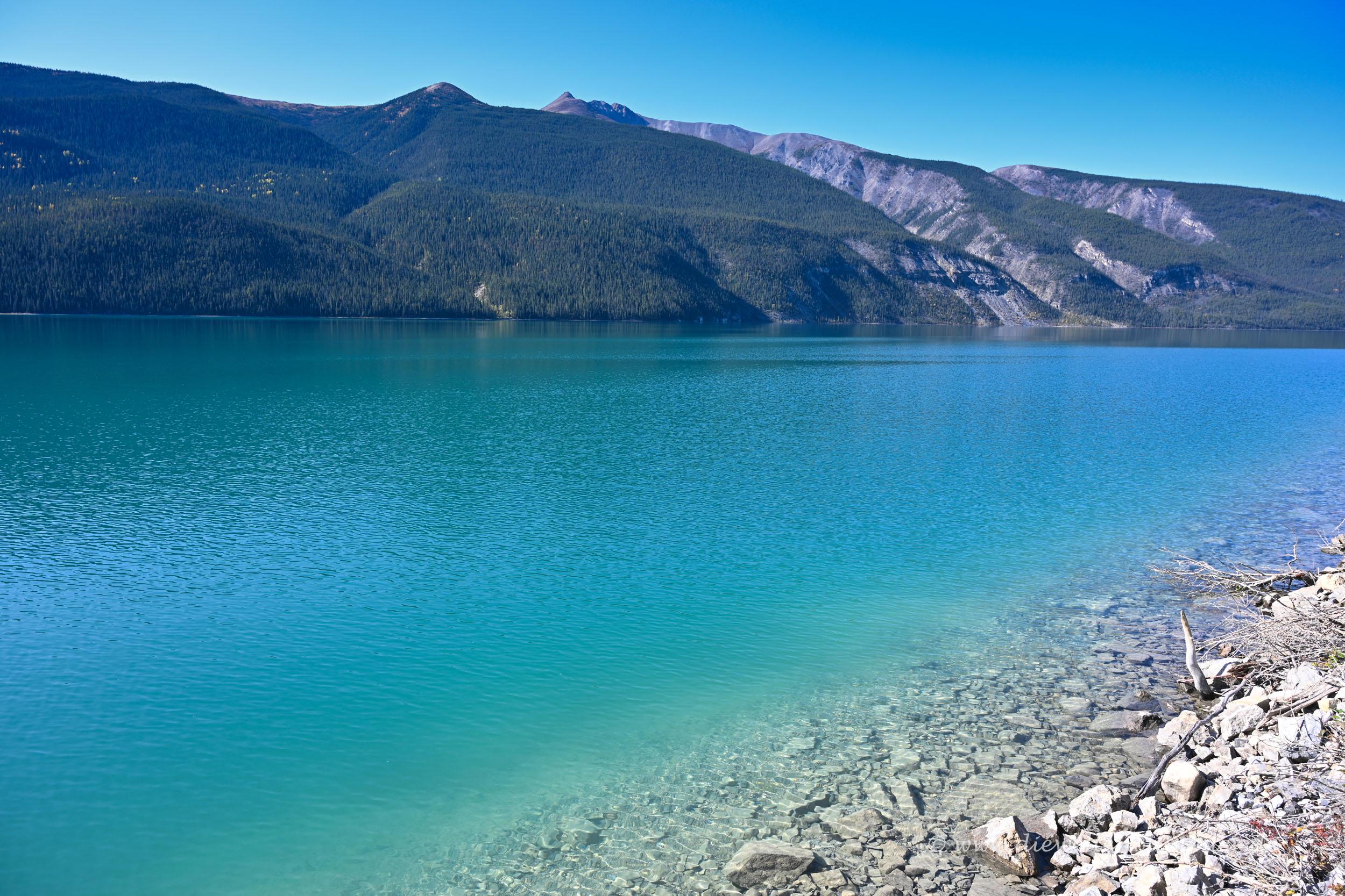 Schöner Muncho Lake