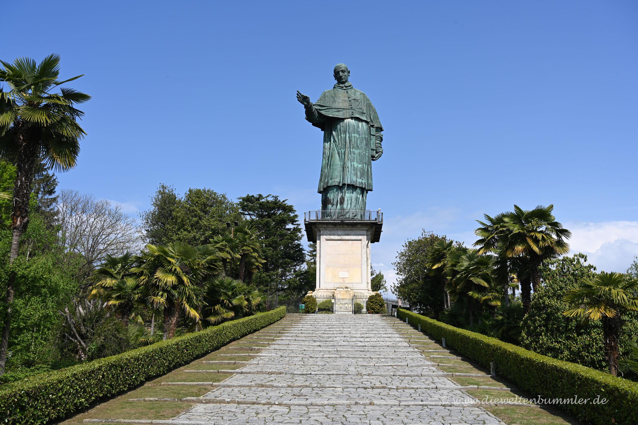 Statue von Carlo Borromeo