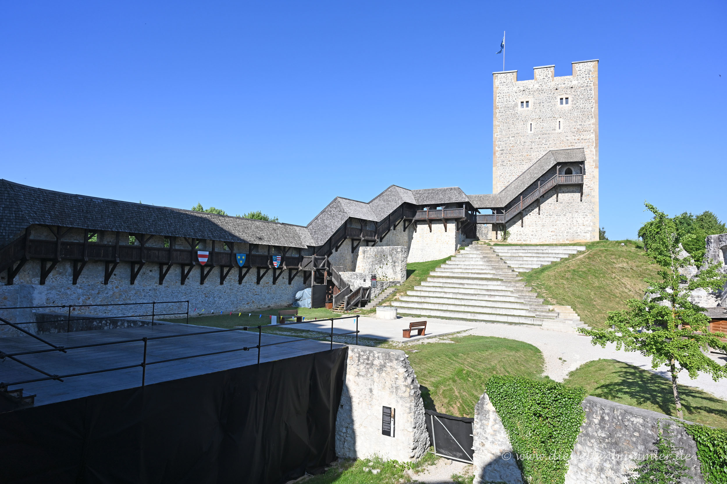 Der Turm im Burghof