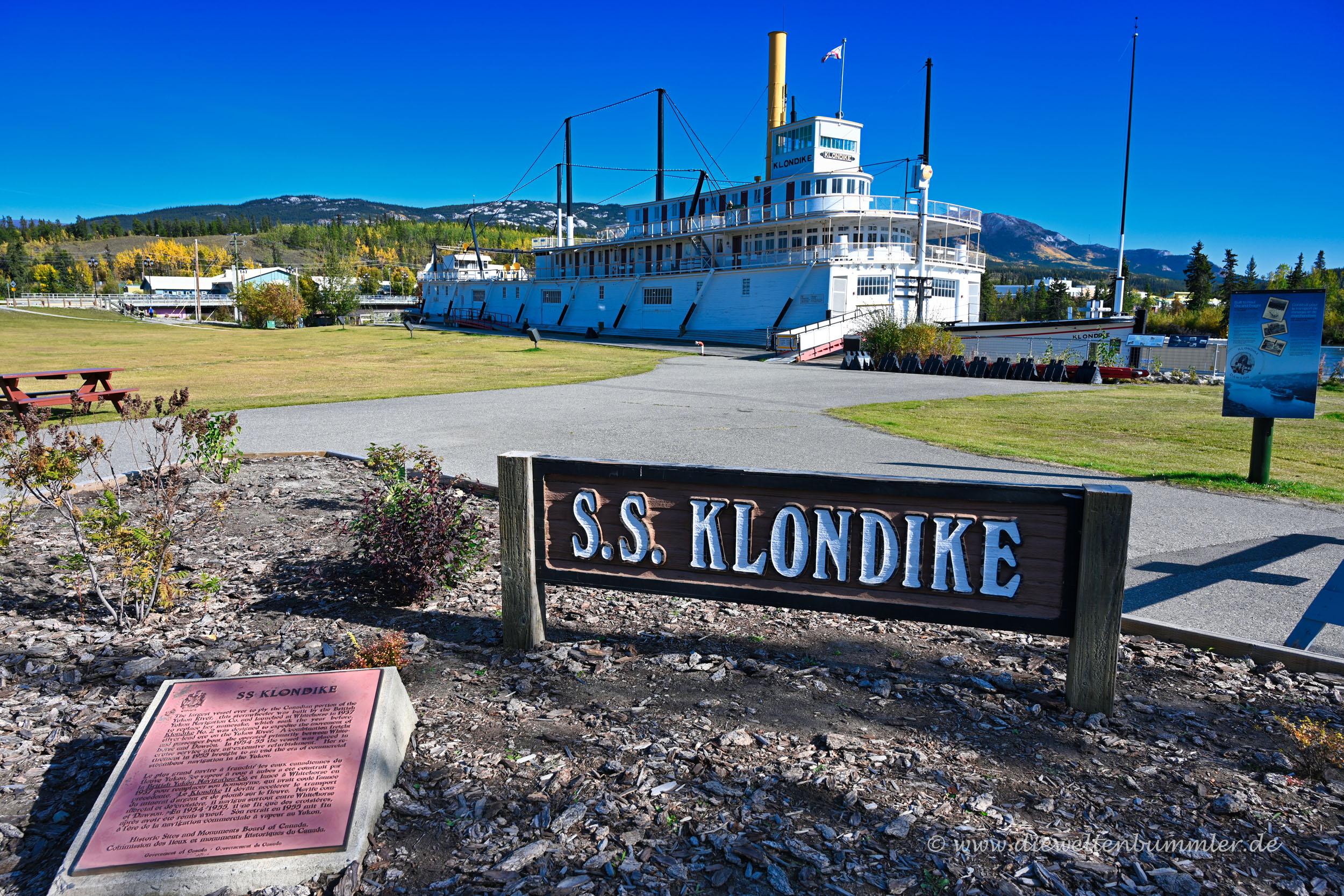 Die SS Klondike am Ufer