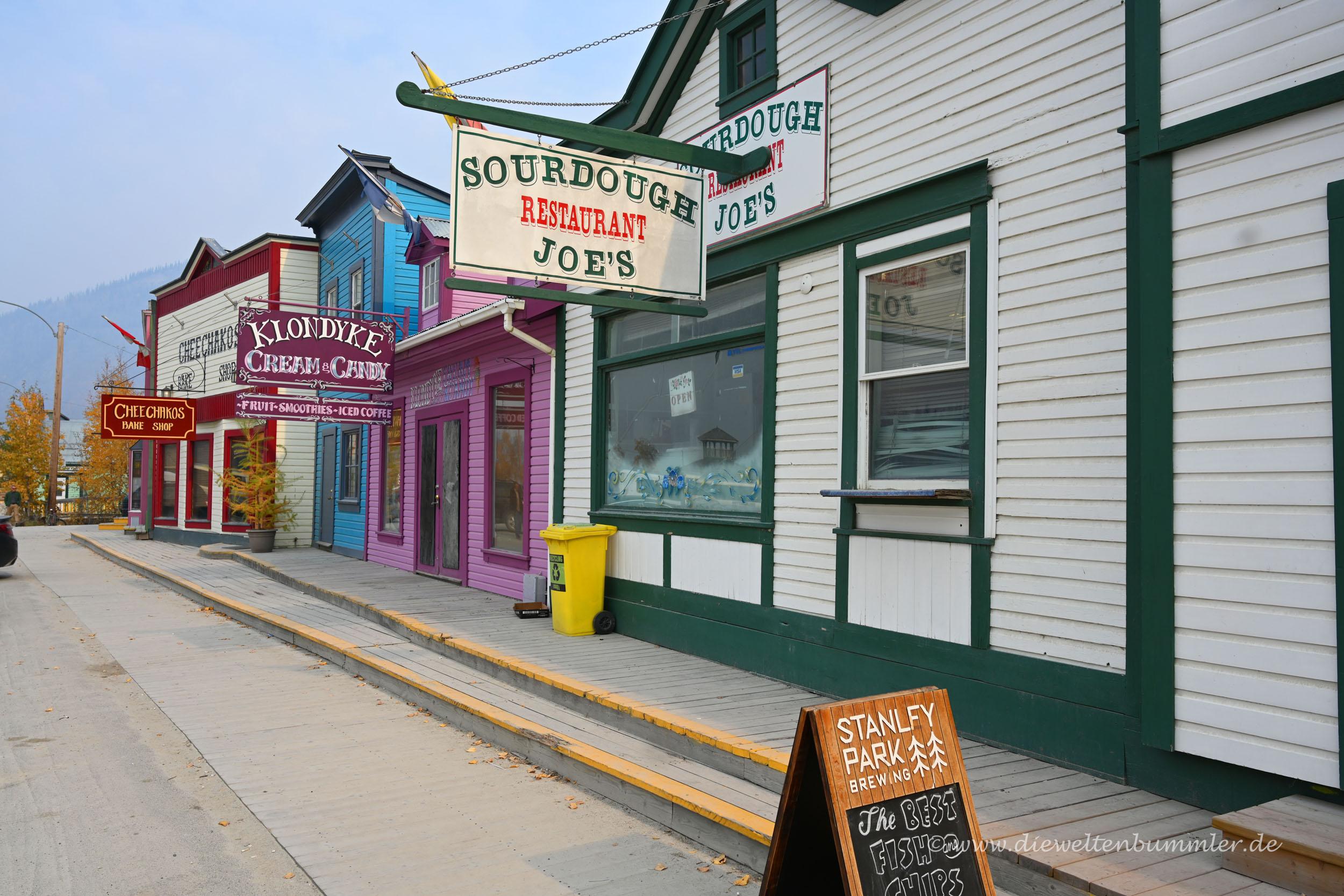 Geschäfte an der Front Street