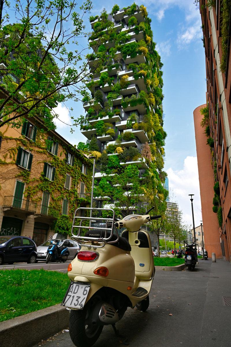 Grüne Hochhäuser in Mailand