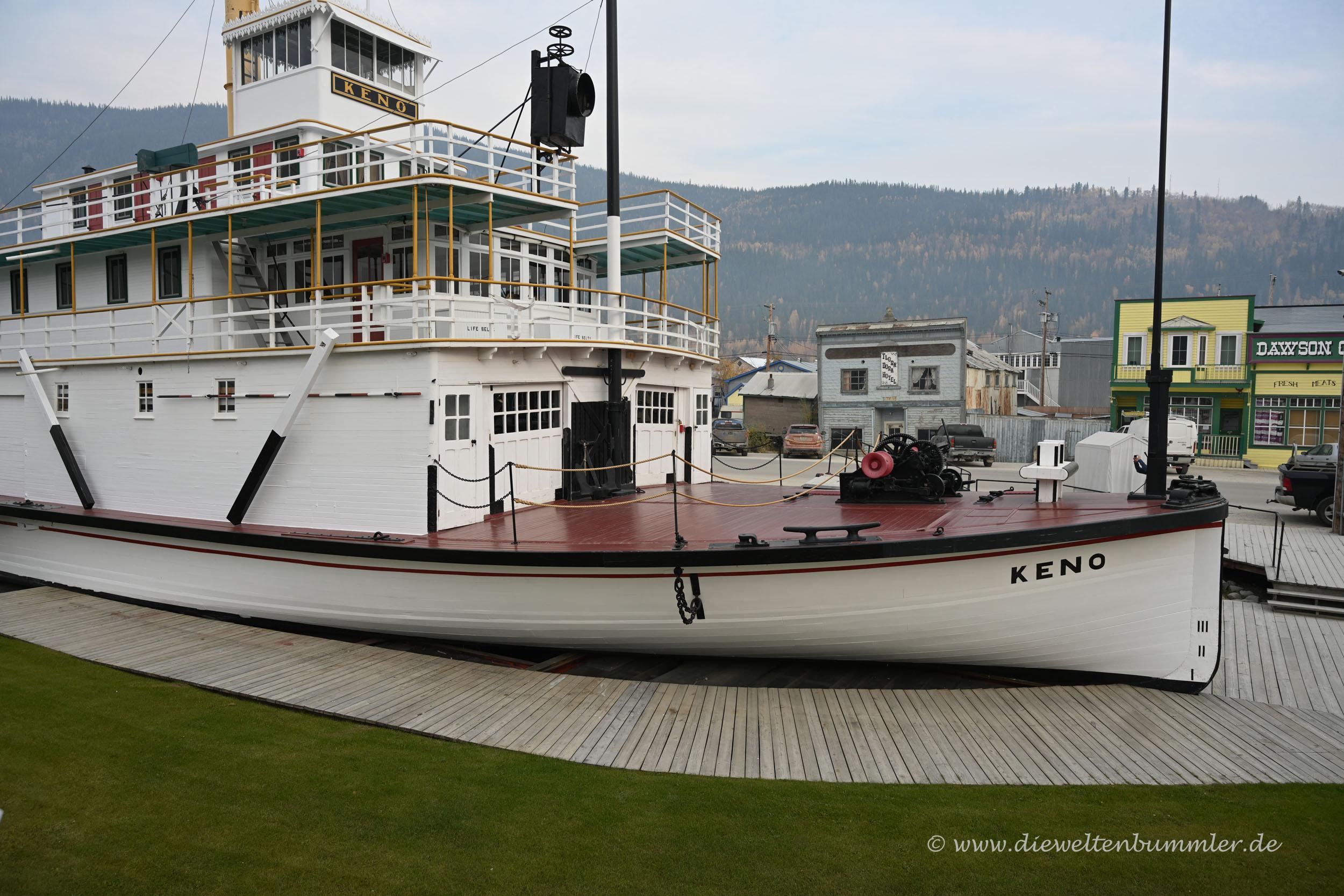 Schaufelraddampfer SS Keno