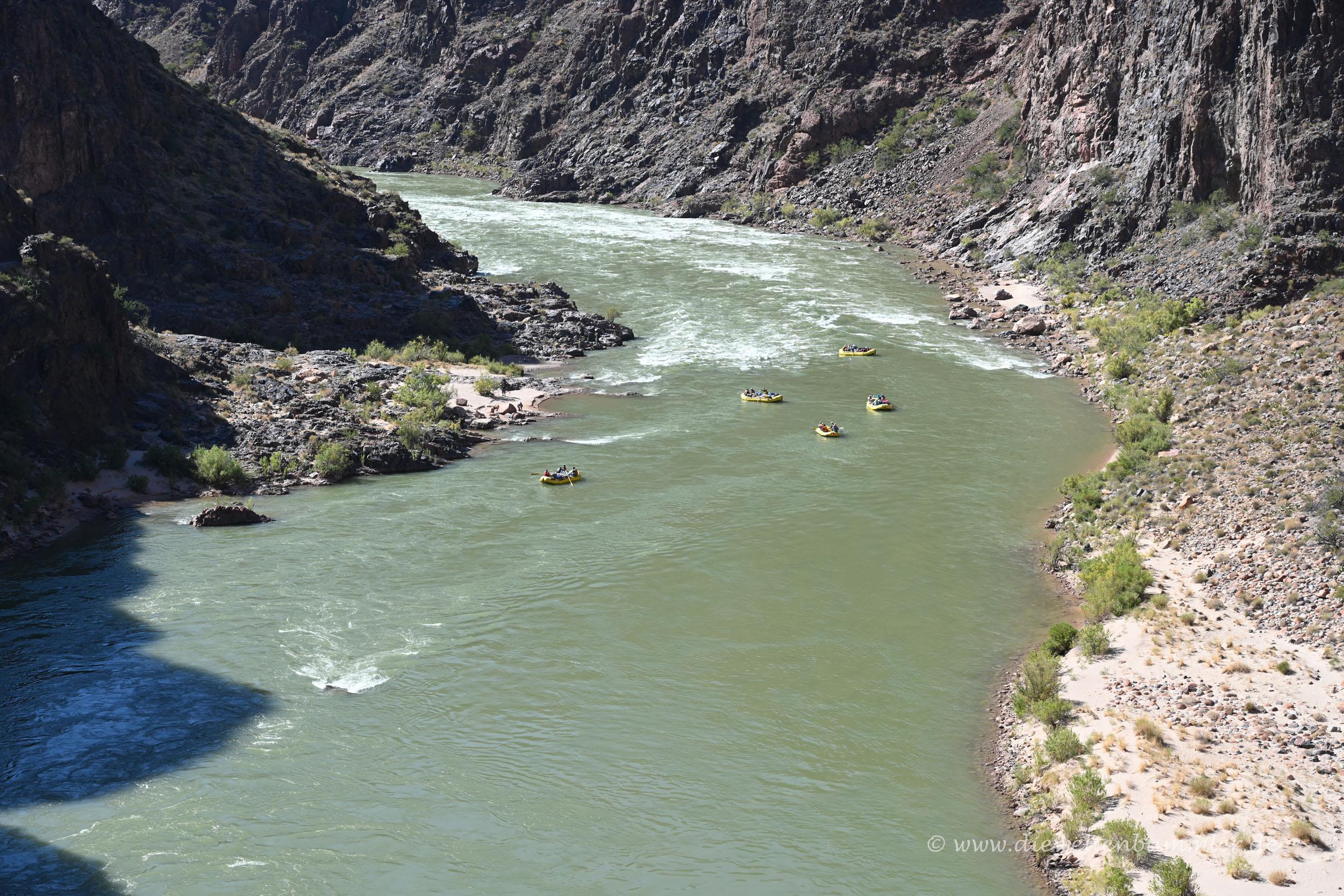 Schlauchboote auf dem Colorado