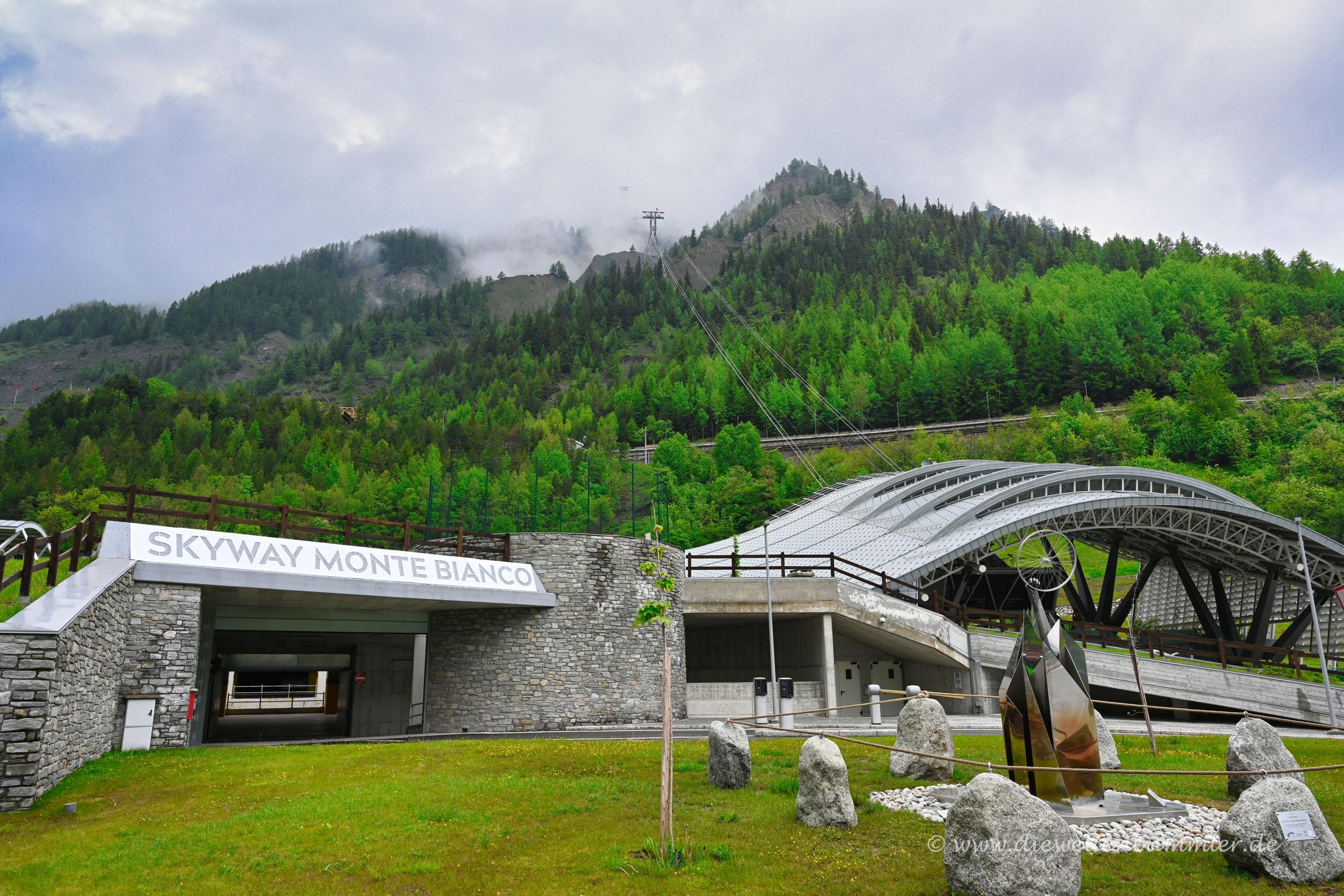 Seilbahn Richtung Mont Blanc